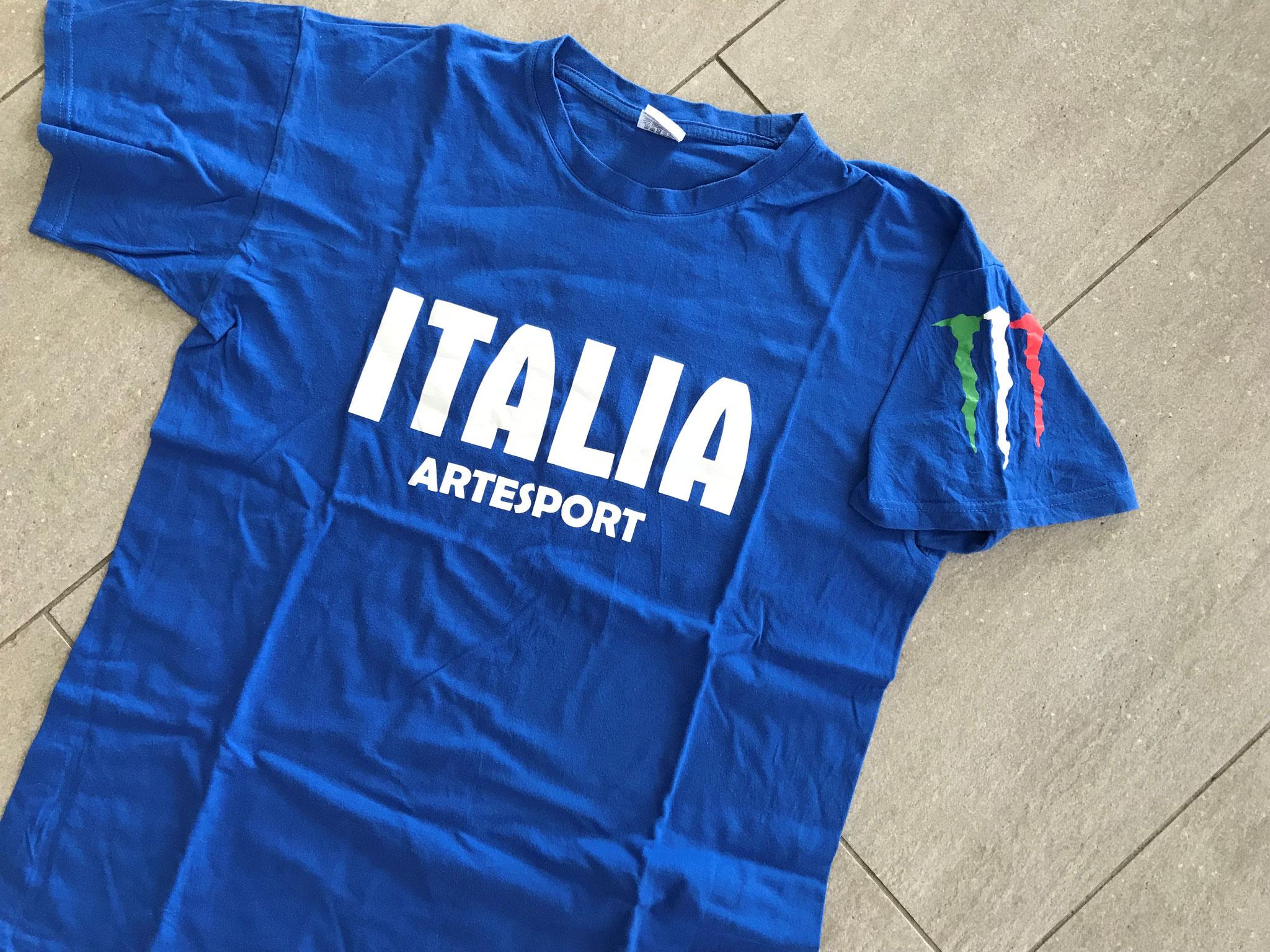 2016 Tshirt creata per gli atleti che gareggiano all'estero