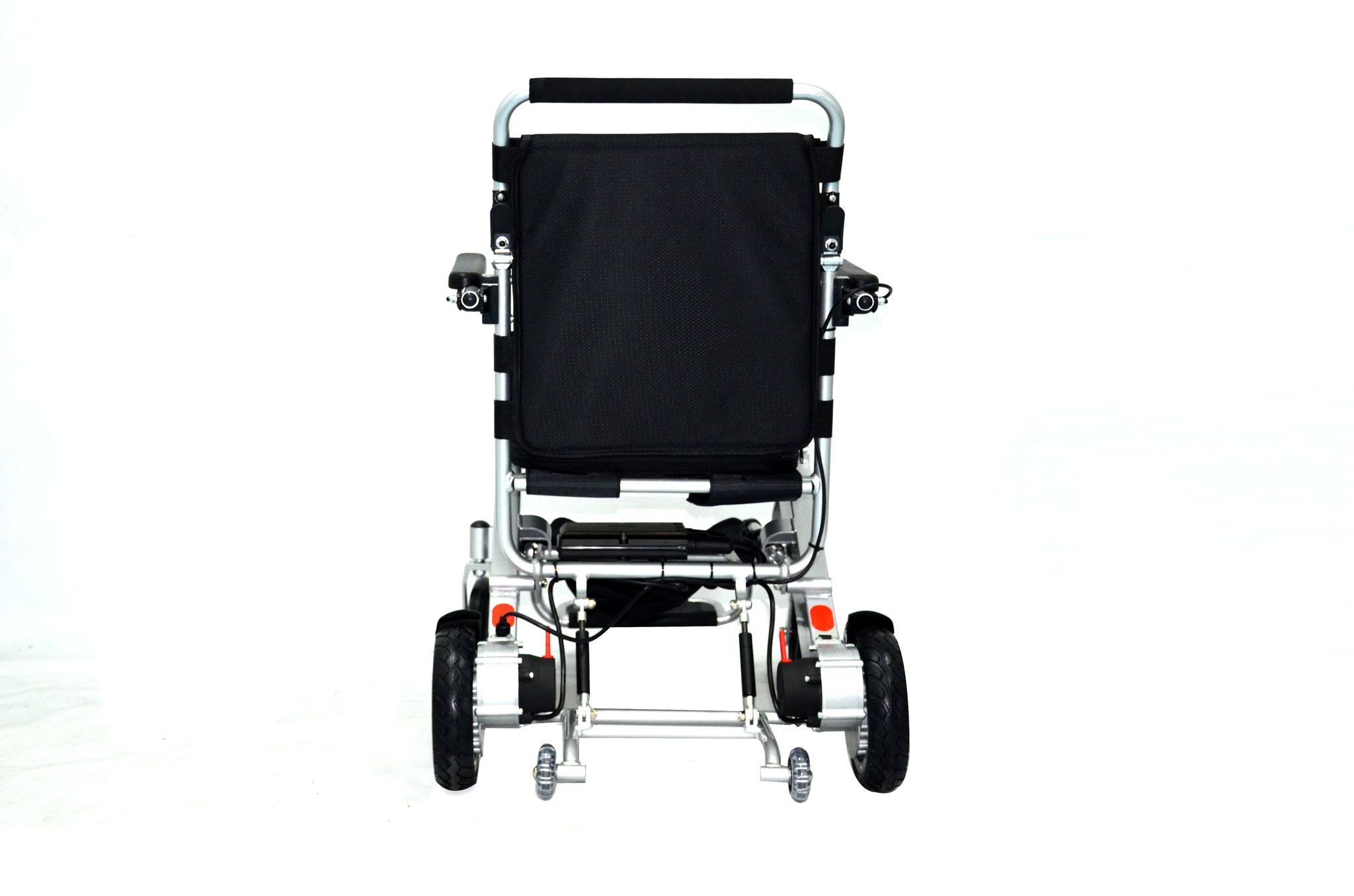 Das intelligente elektromagnetische Bremssystem sorgt für höchste Sicherheit: Wenn im Fahrbetrieb der Joystick losgelassen wird, bremst der Rollstuhl automatisch ab.
