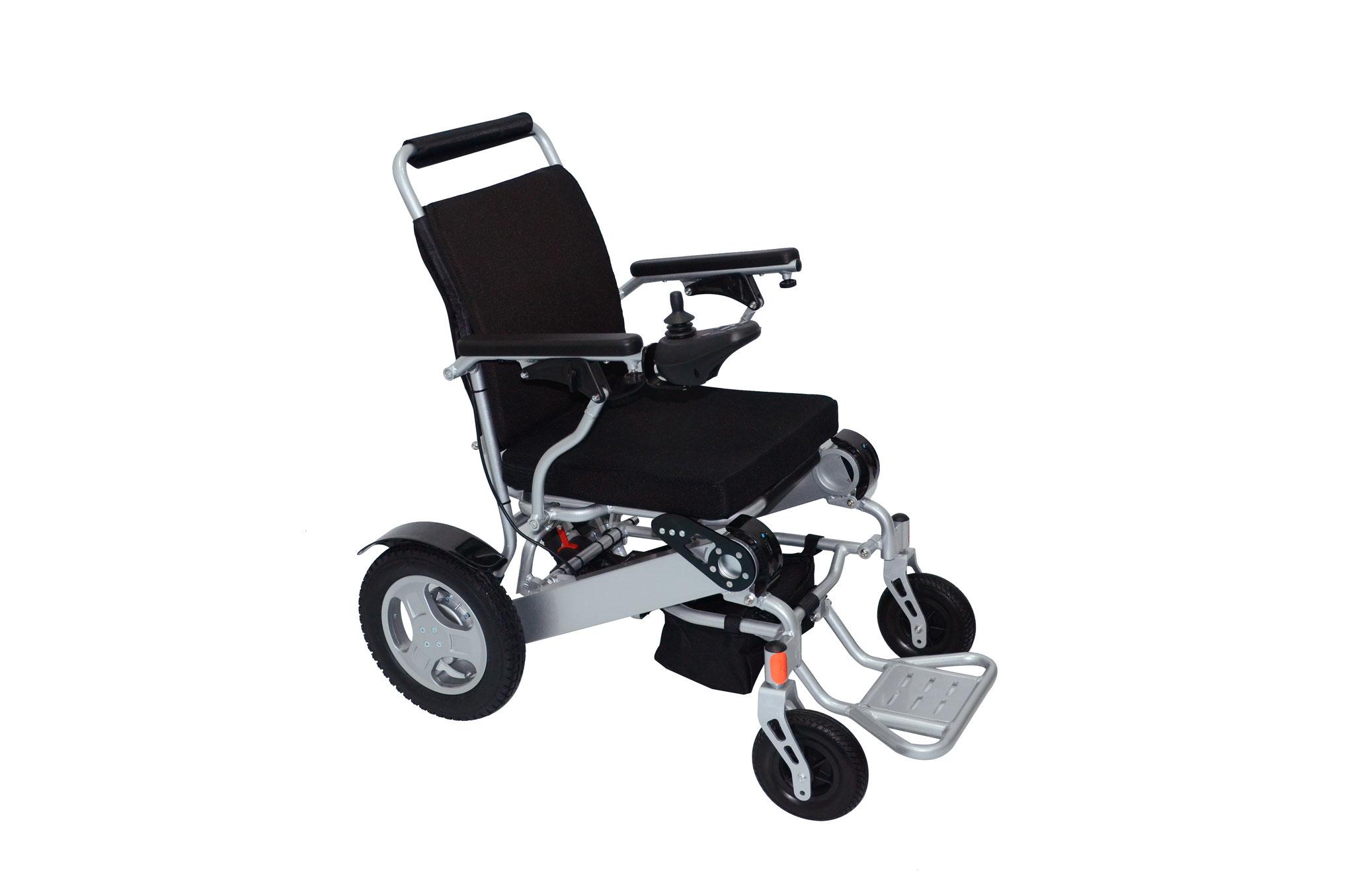 Ob zu Hause oder auf dem Weg zum Supermarkt - die E-Rollstühle sind universell einsetzbar. Sollte es draußen auch mal auf und ab gehen, stellt dies kein Problem dar.