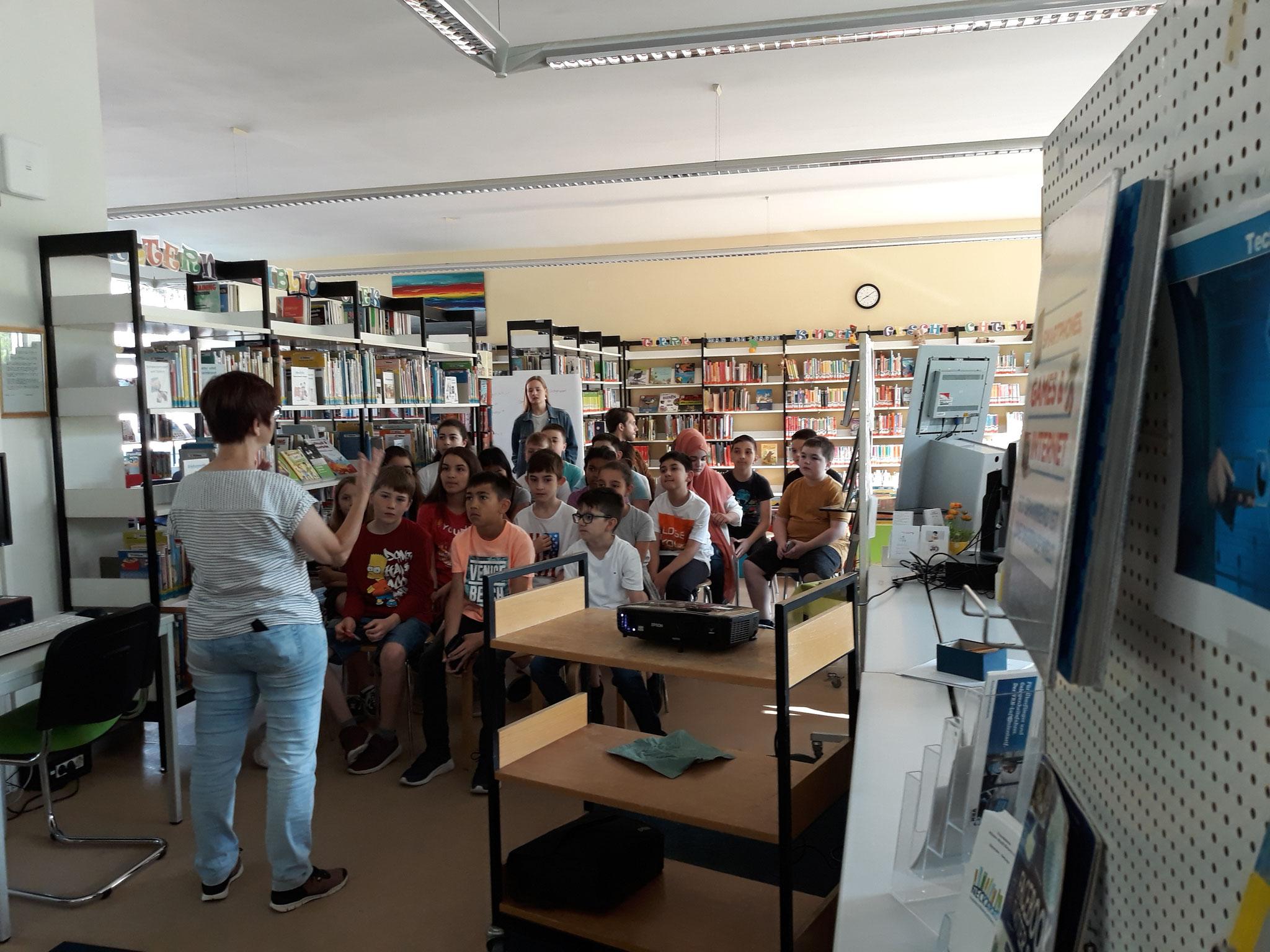 Bücherei-Besuch 19/20