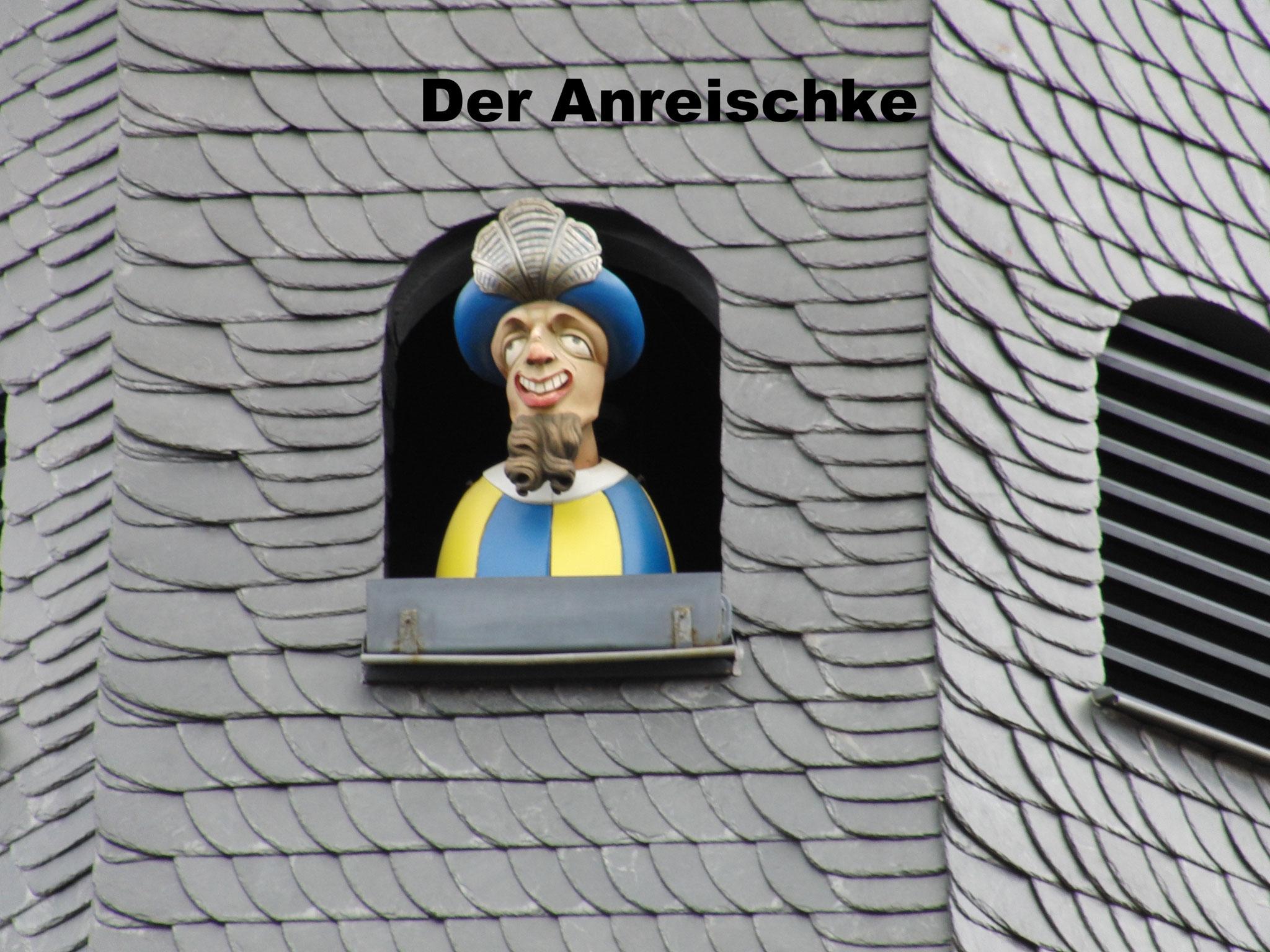 mit dem Anreischken- Glockenspiel, eines der Wahrzeichen von Duderstadt