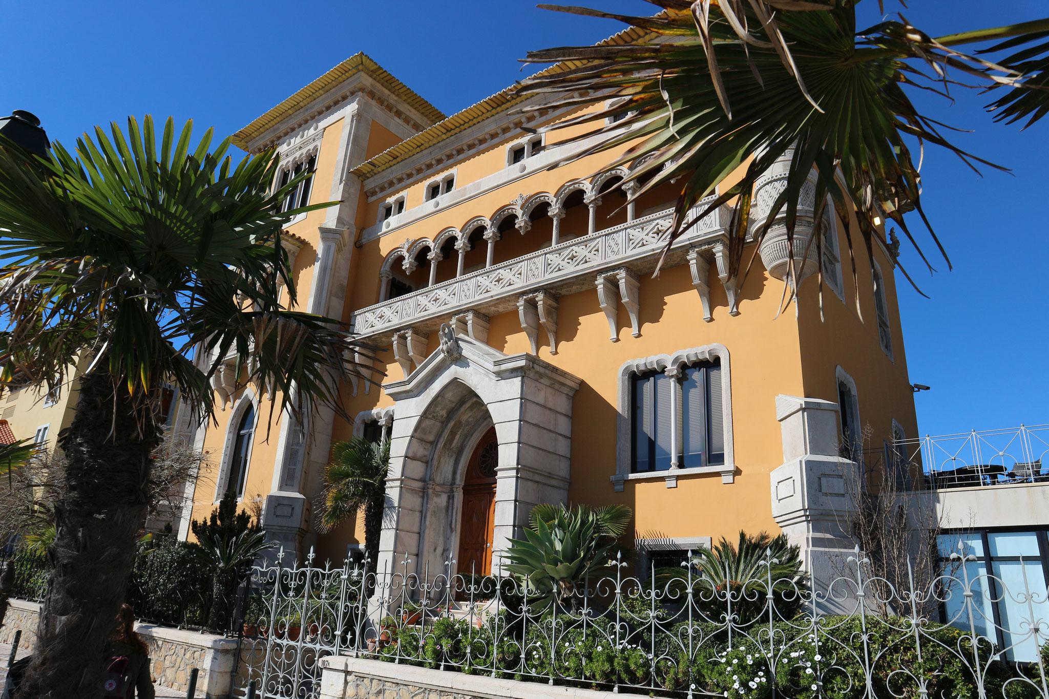"""In """"The Lost Prince"""" gibt es einen kleinen Sommerpalast. Er wurde teilweise von diesem Haus und den nächsten 2 Bildern inspiriert."""