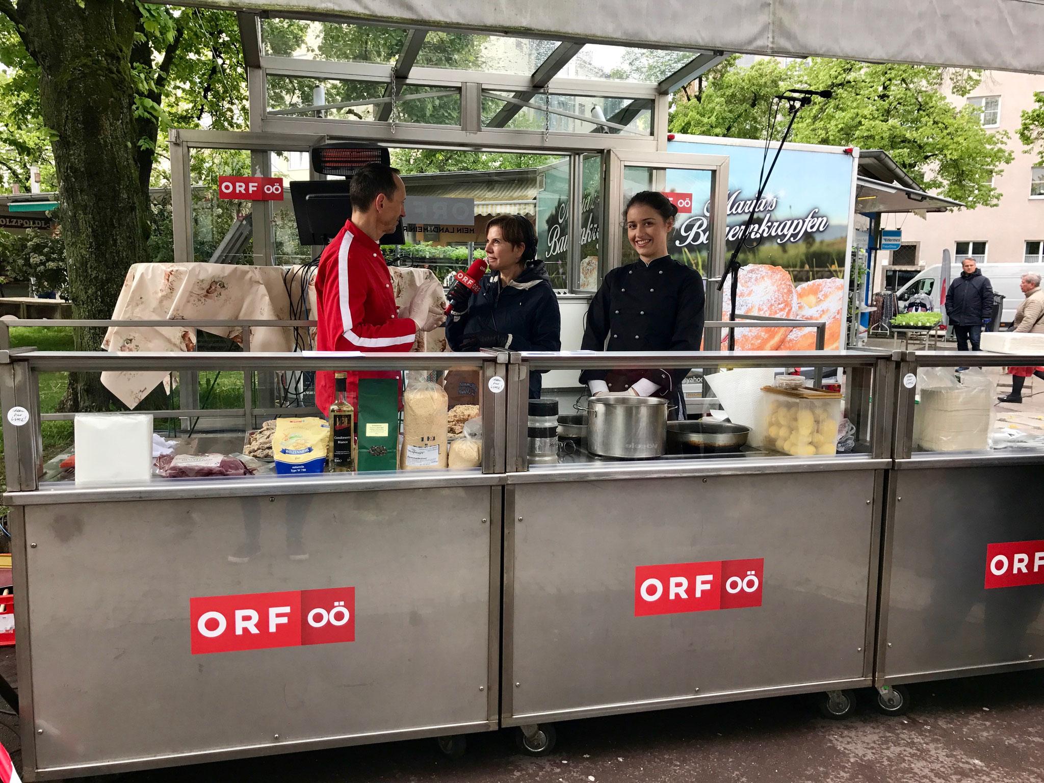 """Gerhard und Lena kochten für Radio OÖ """"Arcimboldo"""" am Linzer Südbahnhofmarkt"""
