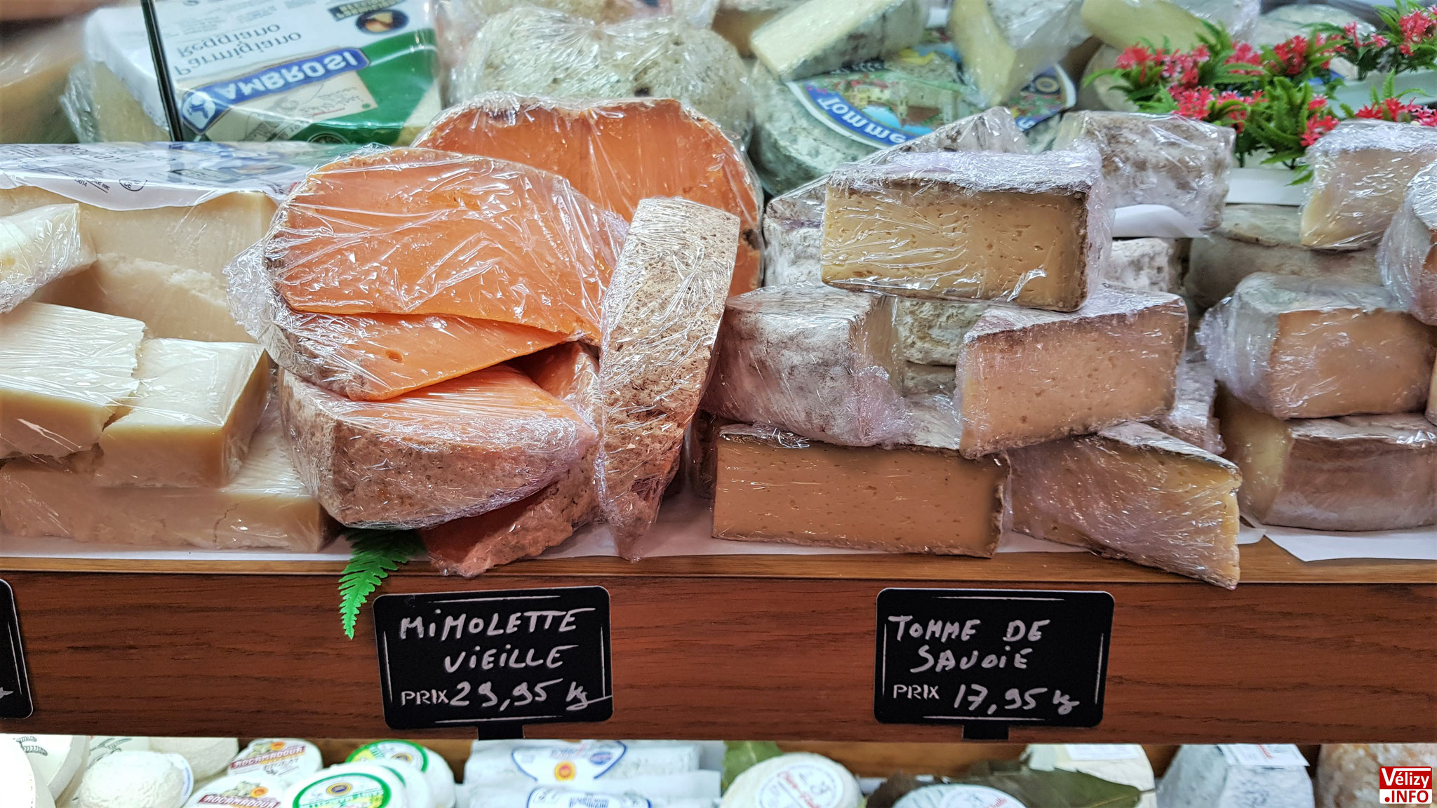 Du fromage en vente à la Boucherie du Village - Chez Christophe à Vélizy-Villacoublay.