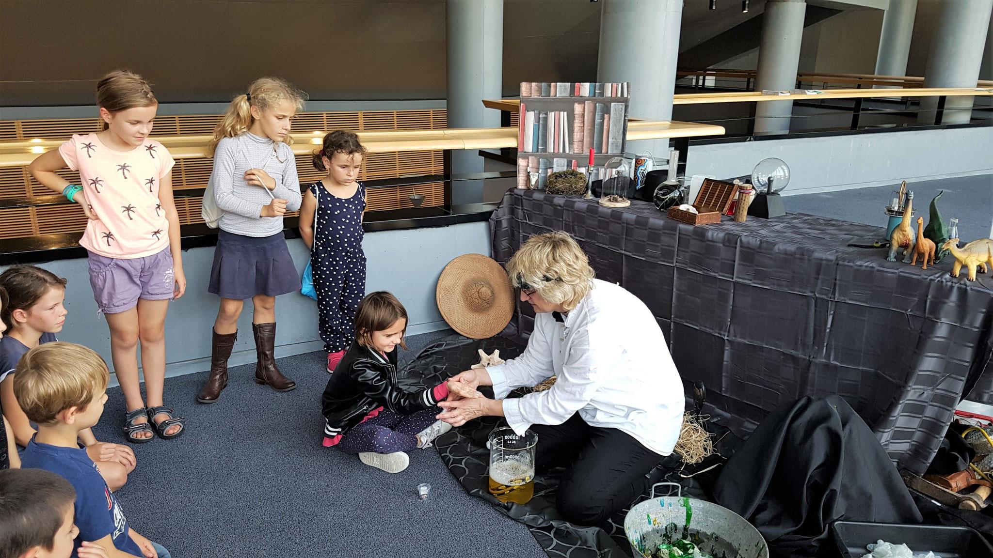 LES SAVANTS FOUS - Fête de la Science 2018 à Vélizy-Villacoublay à L'Onde – Théâtre Centre d'art.