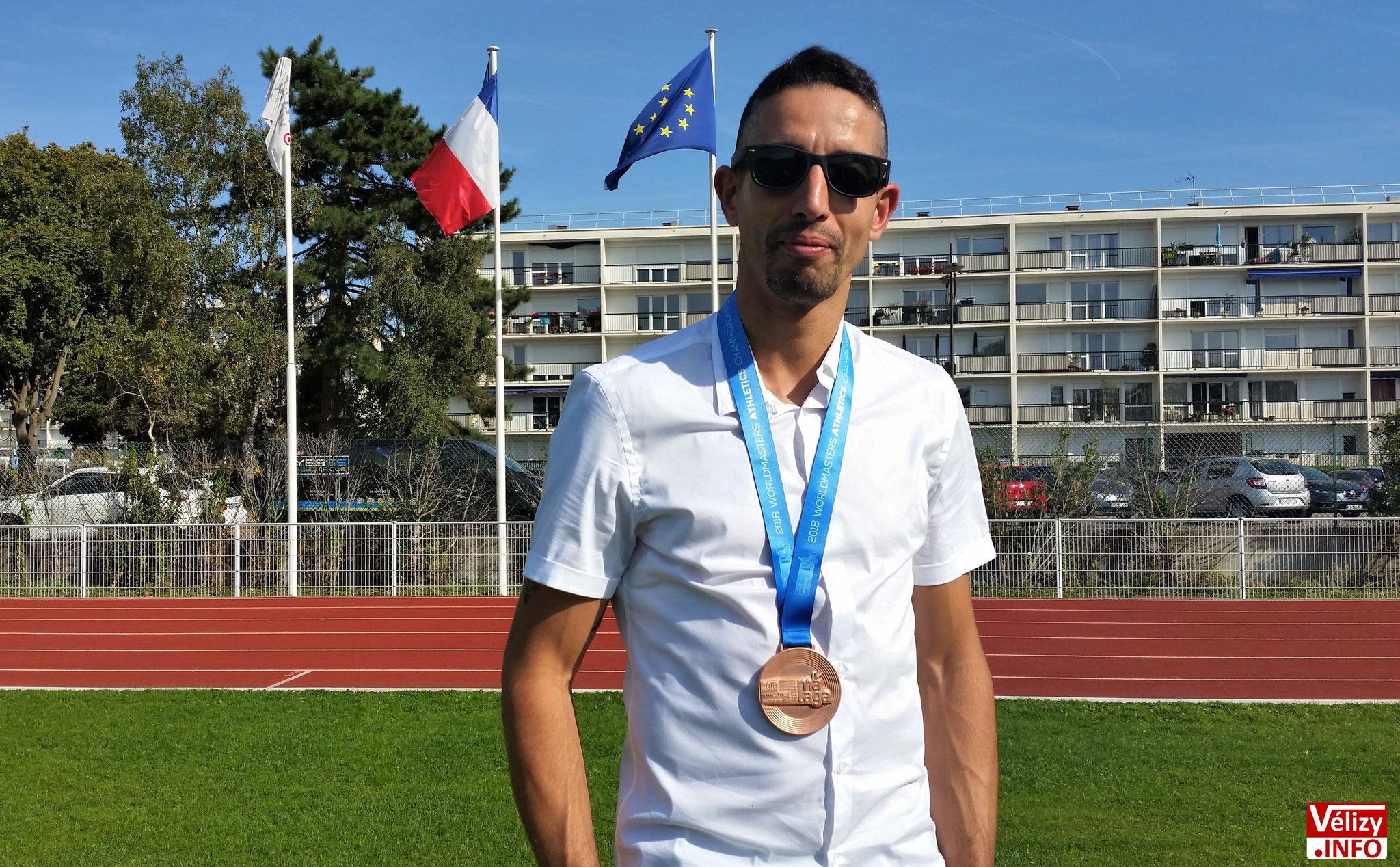 Rachid FARID avec sa médaille de bronze gagnée aux Championnats du monde Masters 2018 à Malaga.