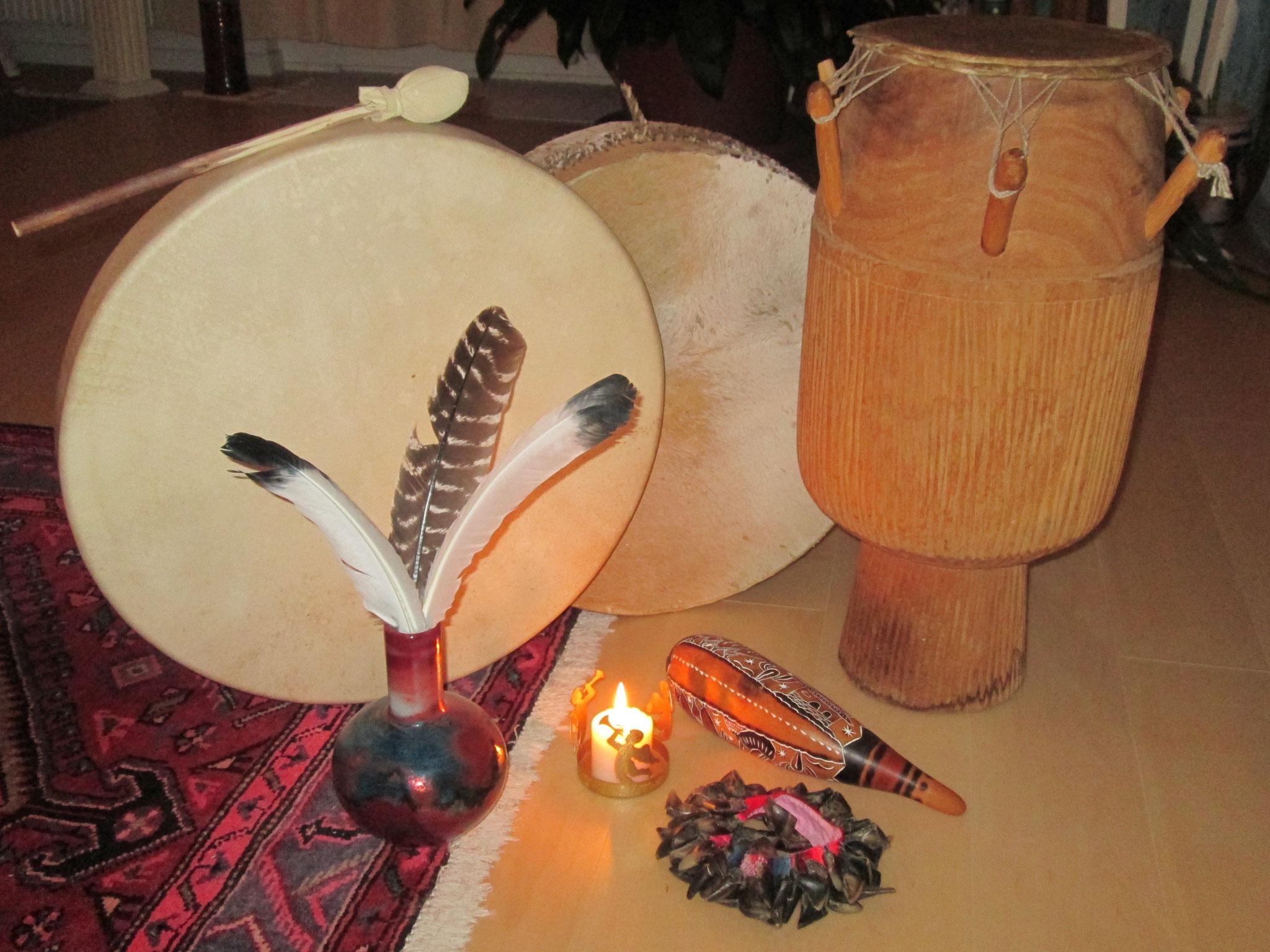 Schamanen-Trommel und Dschembe