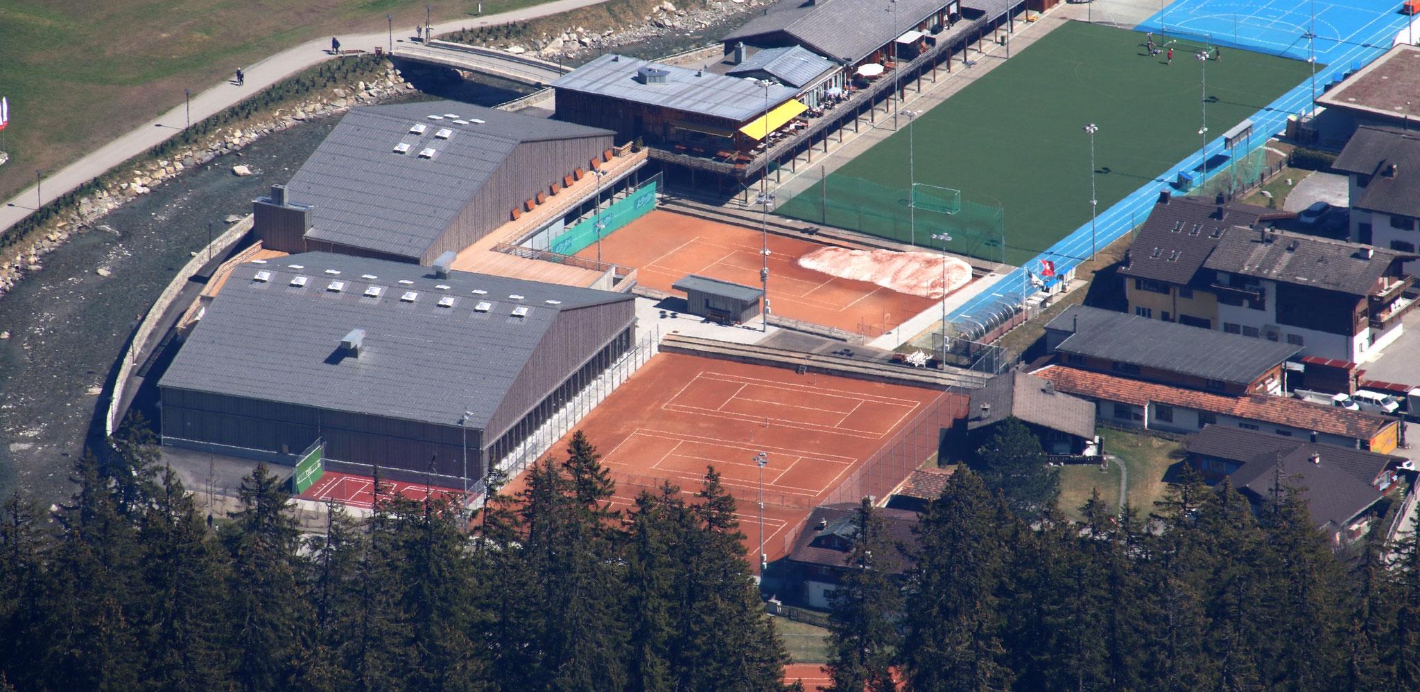 Klosters Platz - Sportzentrum / 6 Sandplätze, 3 Hallenplätze, Kinderplatz, Ballwand, Sport & Spielplätze, Strandbad