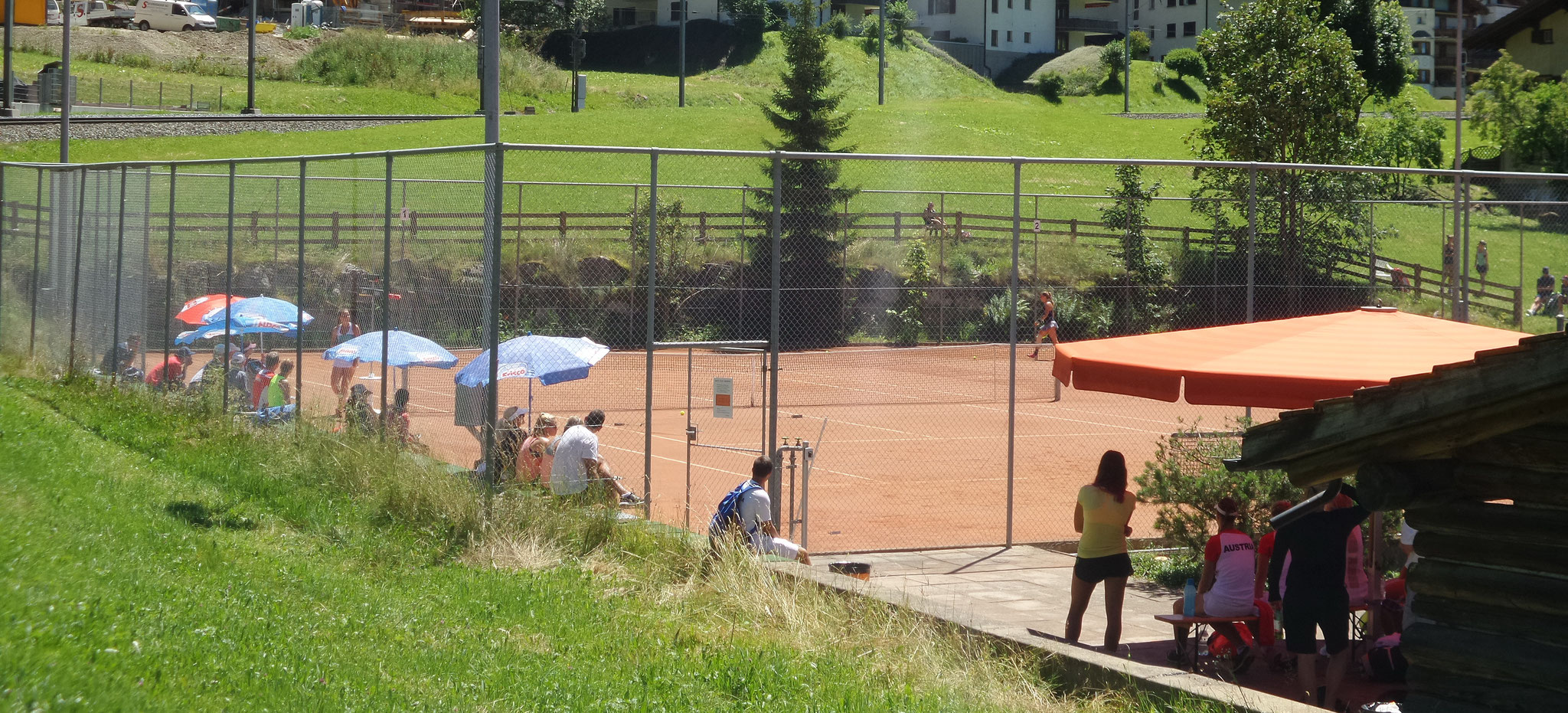 3 Sandplätze in Klosters Dorf