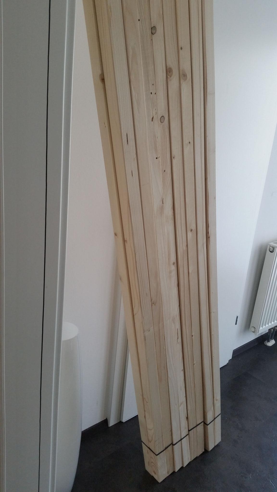 Es werden einige (54) 2m Holzlatten benötigt (44x44mm)