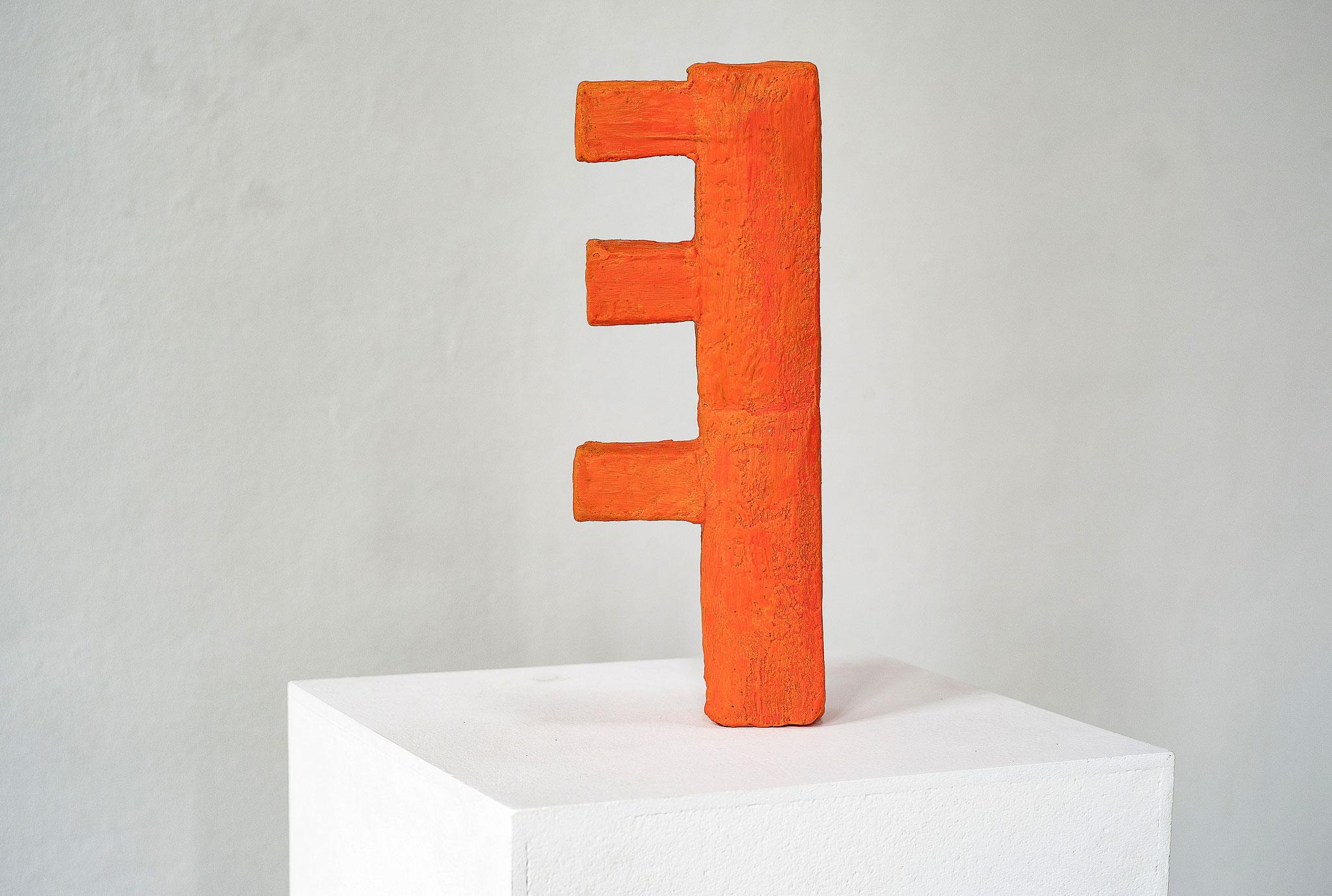 Schwarzbauten Nr.1 2016  Betonguss, Wachs, Pigment 14x 38x 8 cm