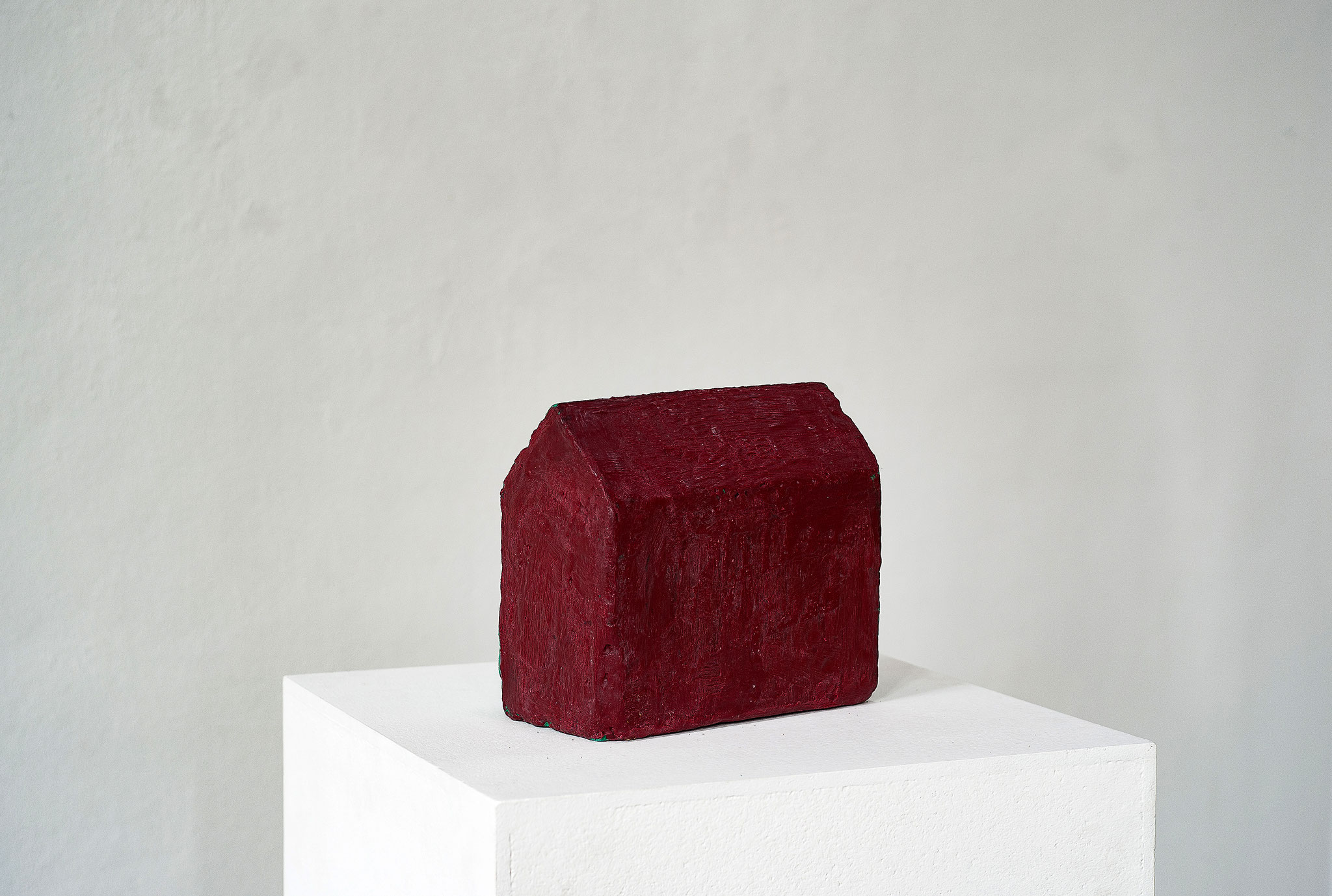 Schwarzbauten Nr.2  2016  Betonguss, Wachs, Pigment 9 x 22 x 11 cm