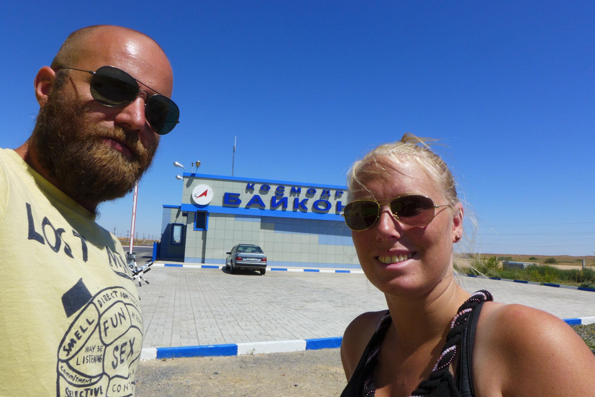 Leider konnten wir nicht auf das Gelände, aber wir waren da. Am größten Weltraumbahnhof der Welt - Baikonur.