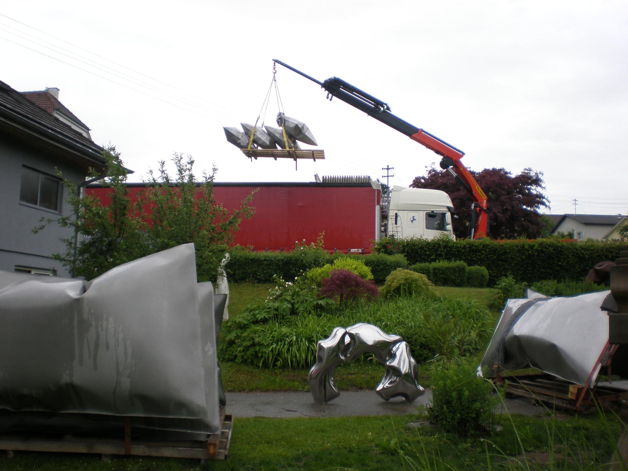Ausstellungsaufbau, Skulpturen von Thomas Kühnapfel