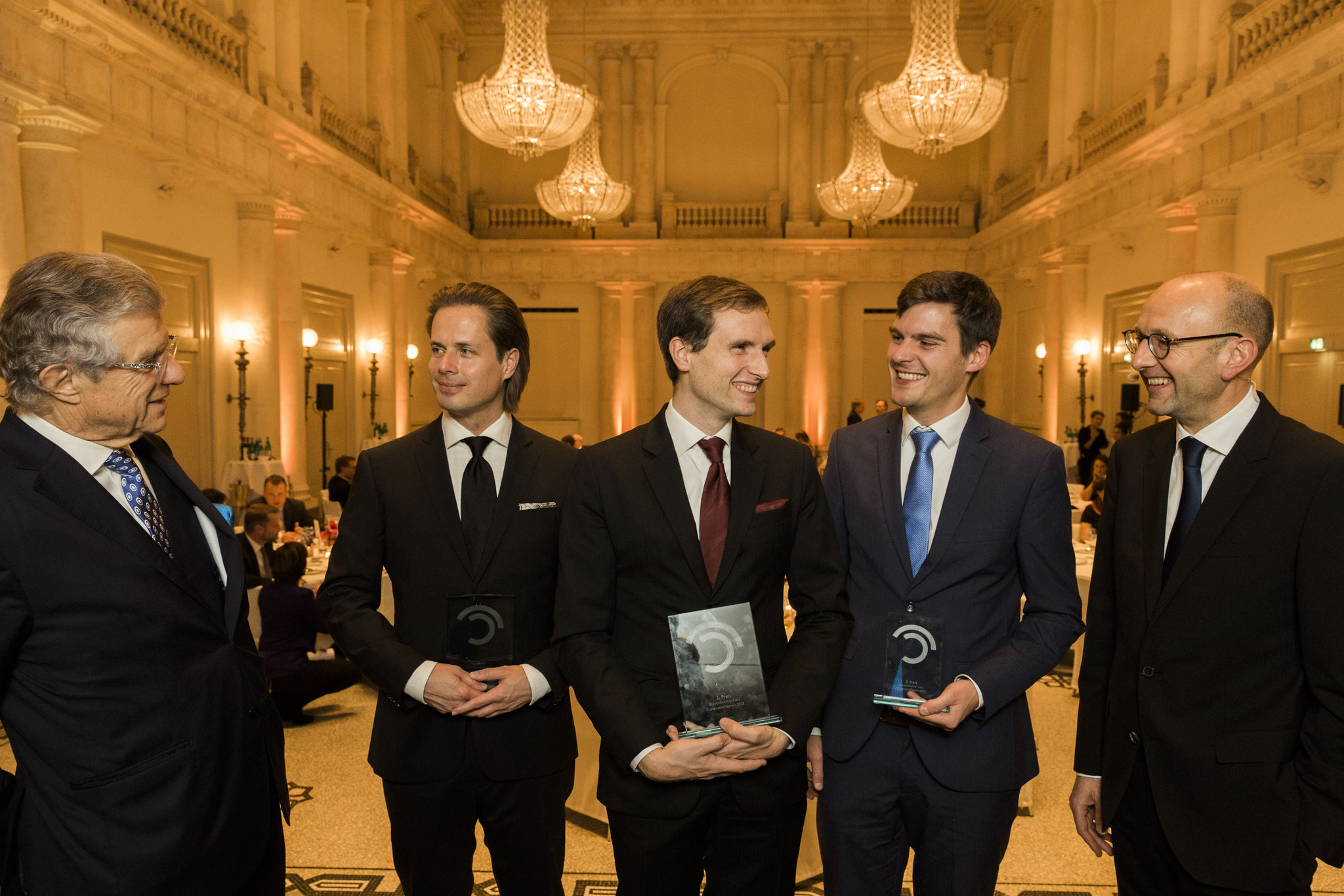 Von links: Bruno Kübler, Tilman Rauhut, Patrick Keinert, Johannes Richter, Lucas Flöther. Preisträger und Laudatoren Wissenschaftspreis © 2018 Sven Döring