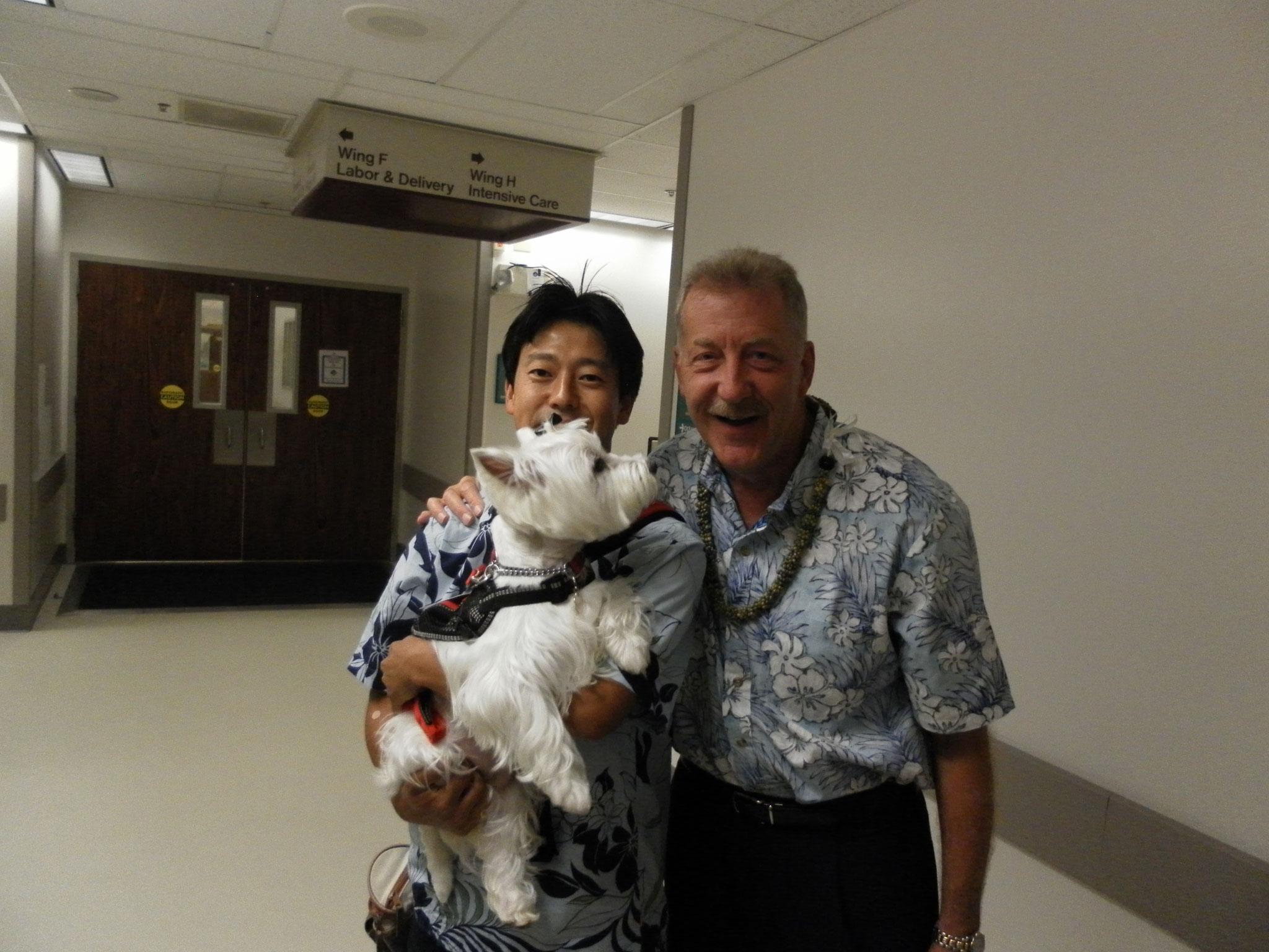 Honolulu市長と(米軍病院内にて)