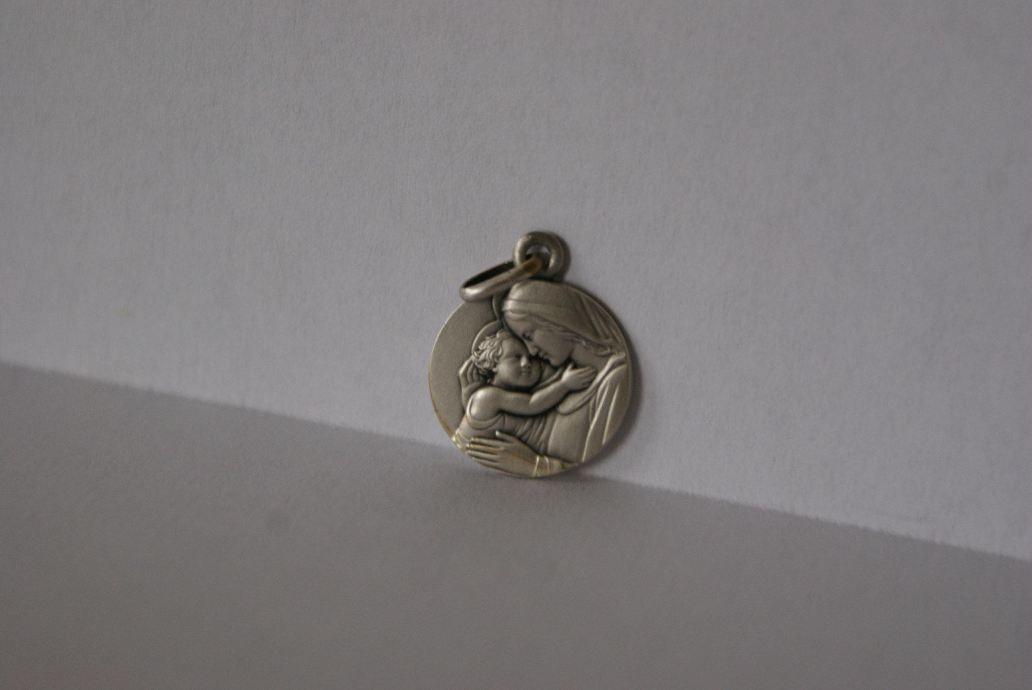 Médaille argent, Vierge à l'Enfant.