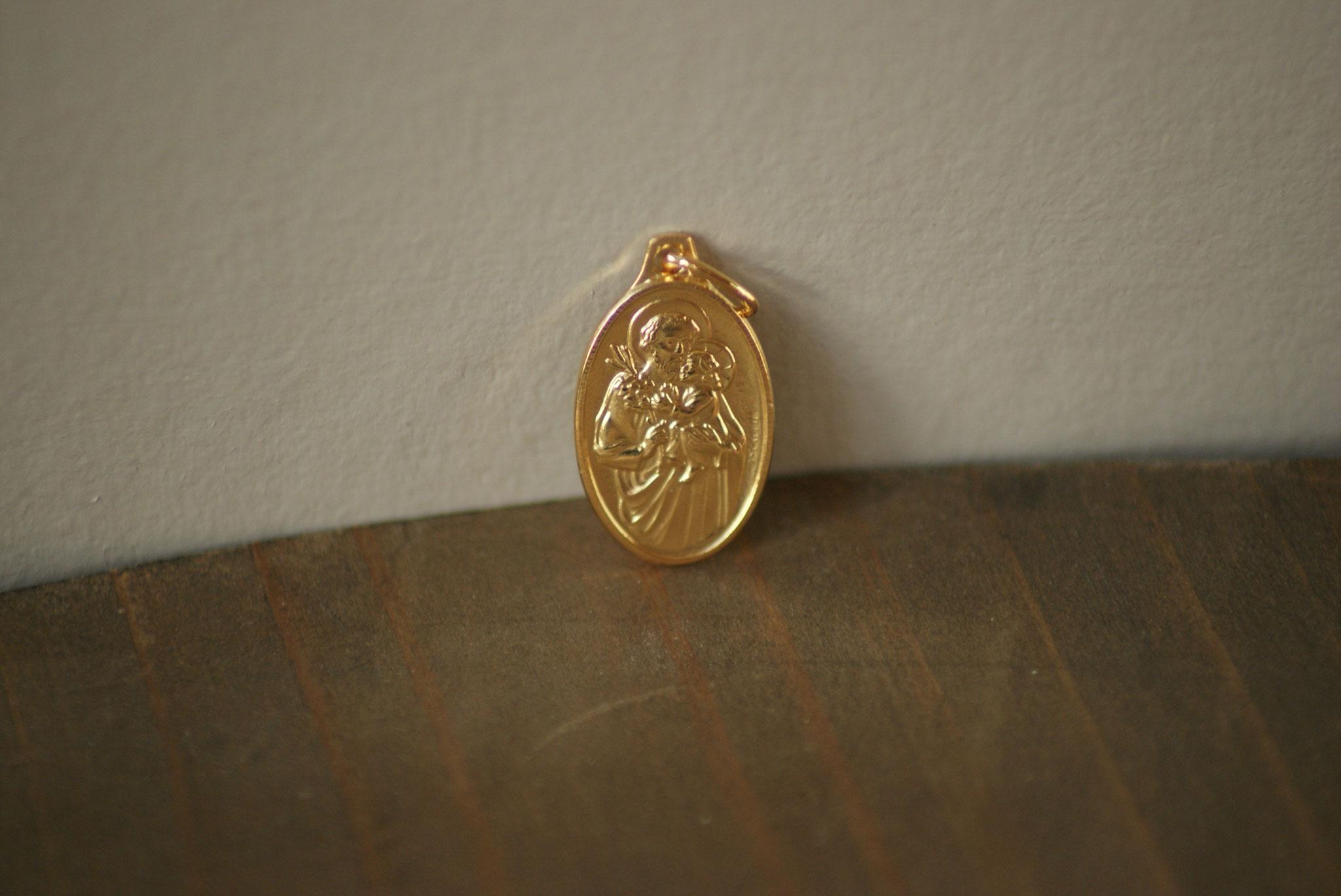 Médaille plaqué or, St Joseph.