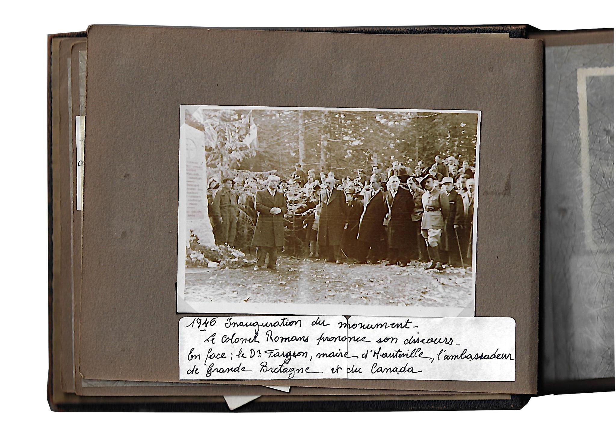 Album cérémonie pour le transfert des corps au cimetière militaire de la Doua [Lyon] des aviateurs anglo-canadien