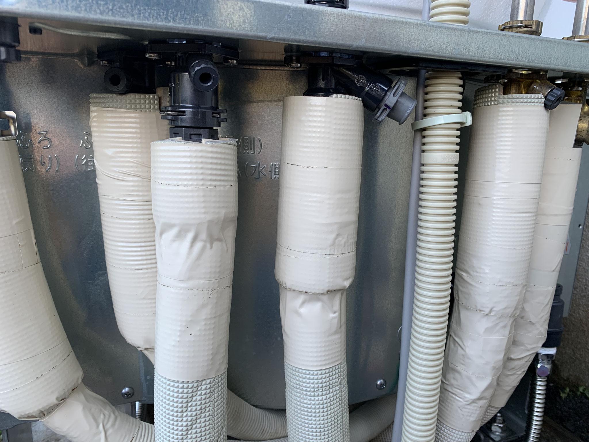 エコキュート配管工事 保温配管仕上げ 三島市