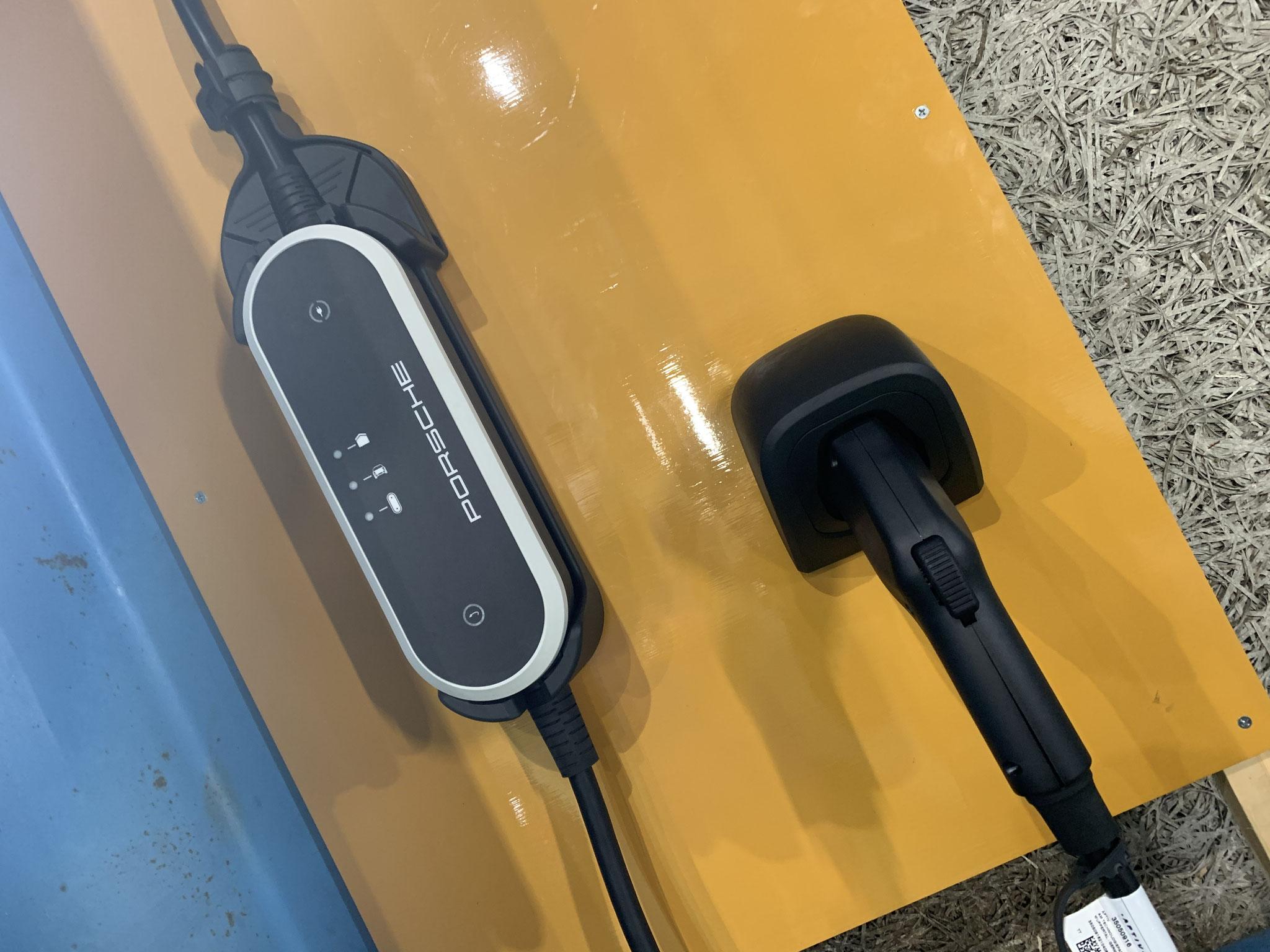 ポルシェ タイカン 8kw充電器設置工事 長泉町