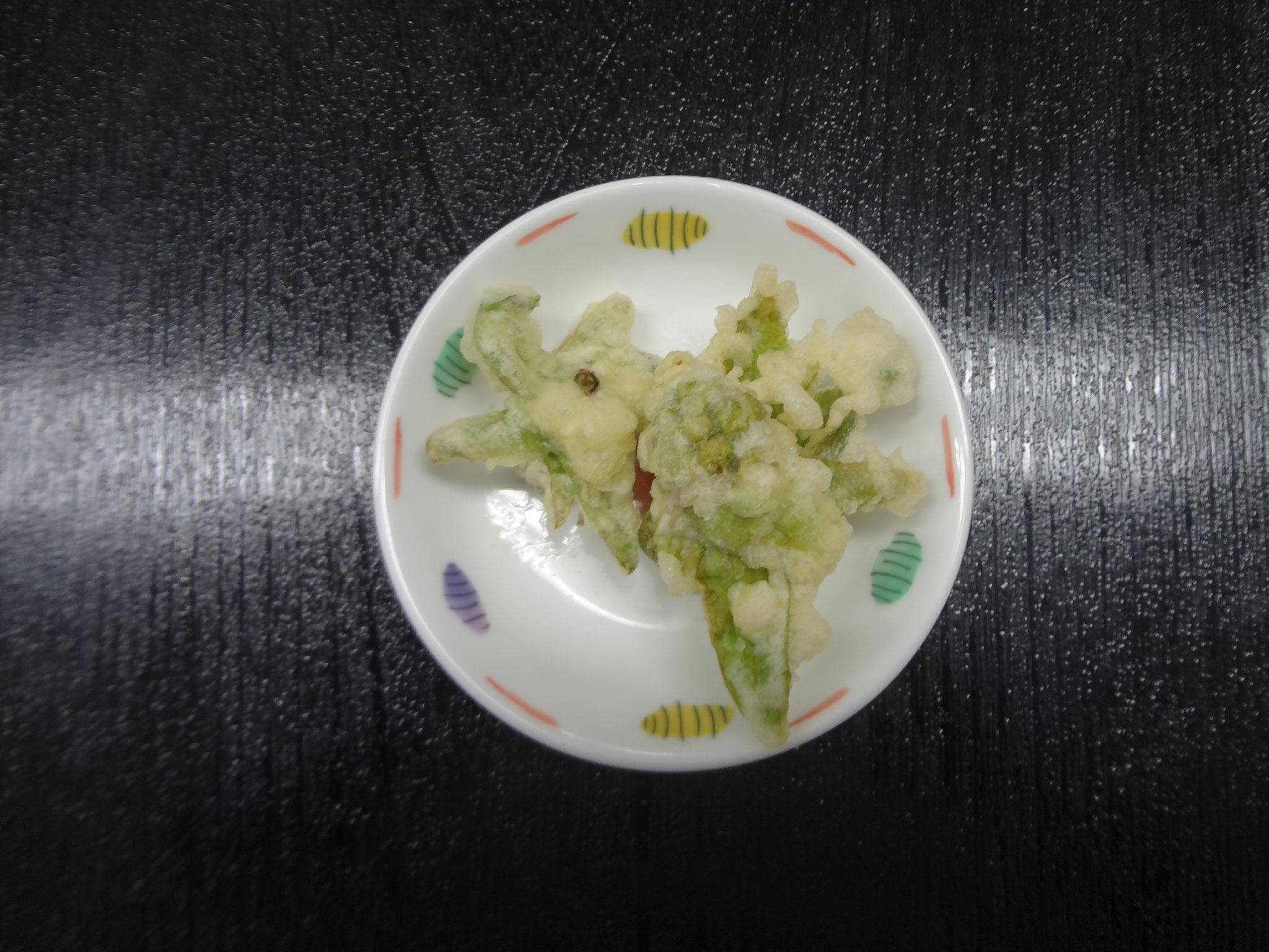 ふきのとうの天ぷら。ボランティアさんからの差し入れとの事。皆さん喜んでいました。