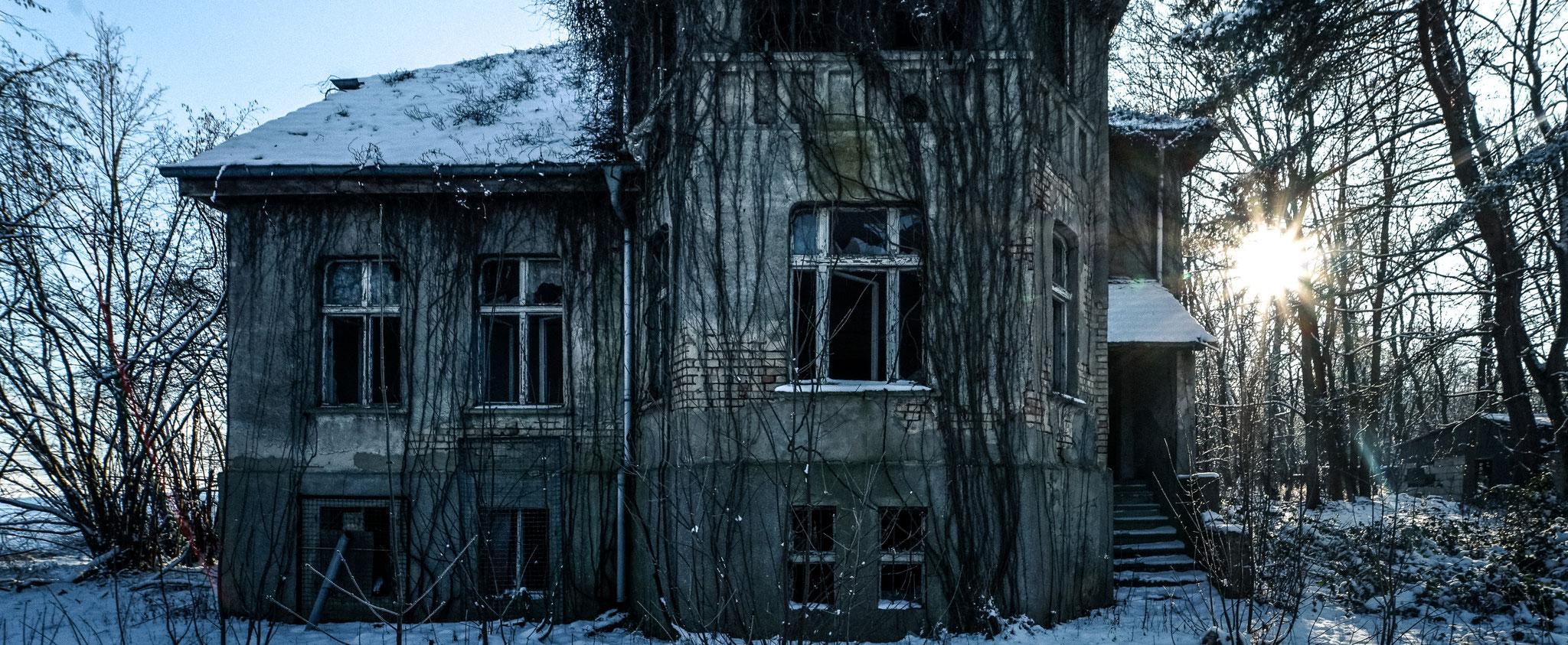 Das alte Haus am Wegesrand