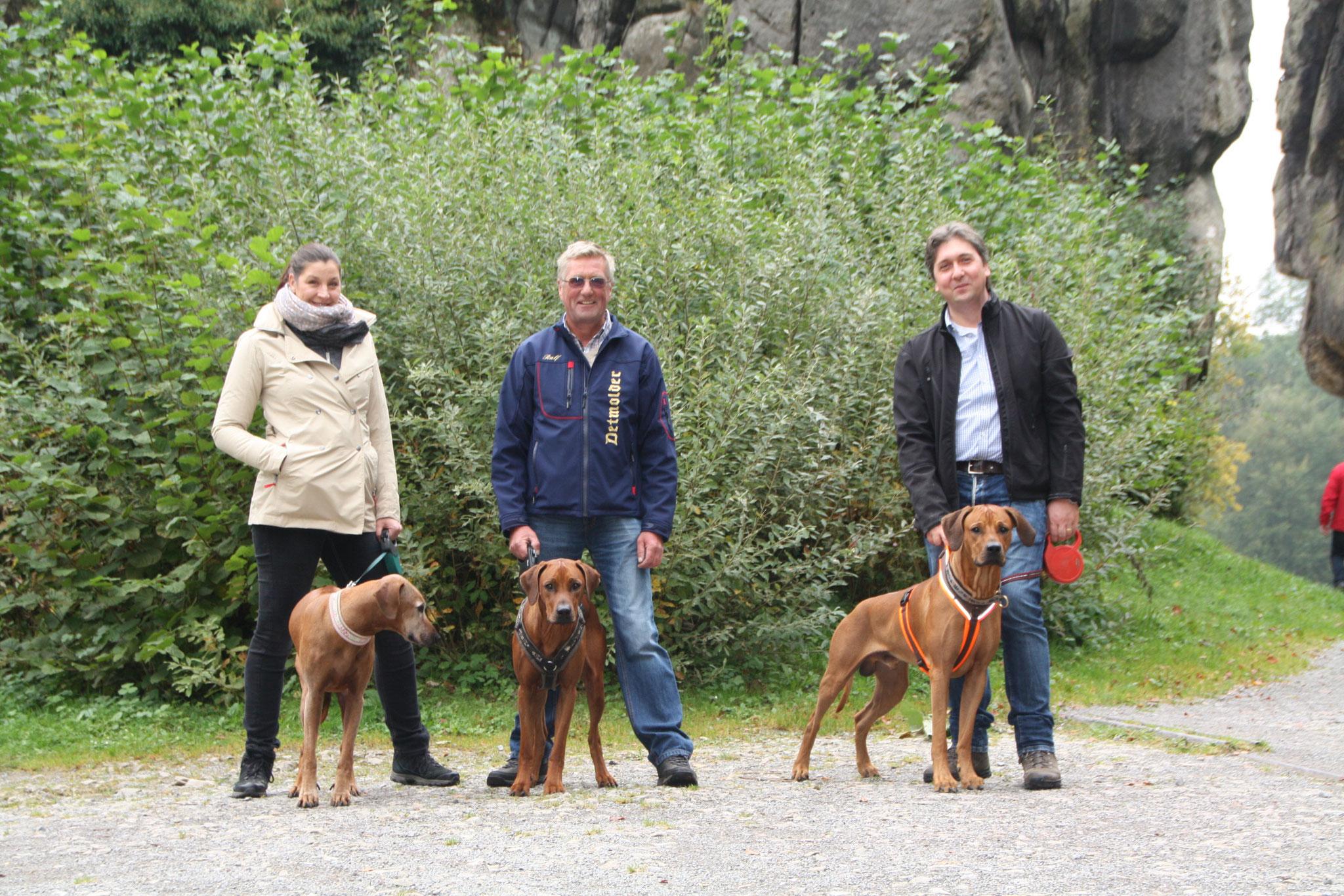 Es war erwartend viel los, sodass es für unsere Hunde mit so vielen Gleichgesinnten und Menschen eine Herausforderung gewesen ist.