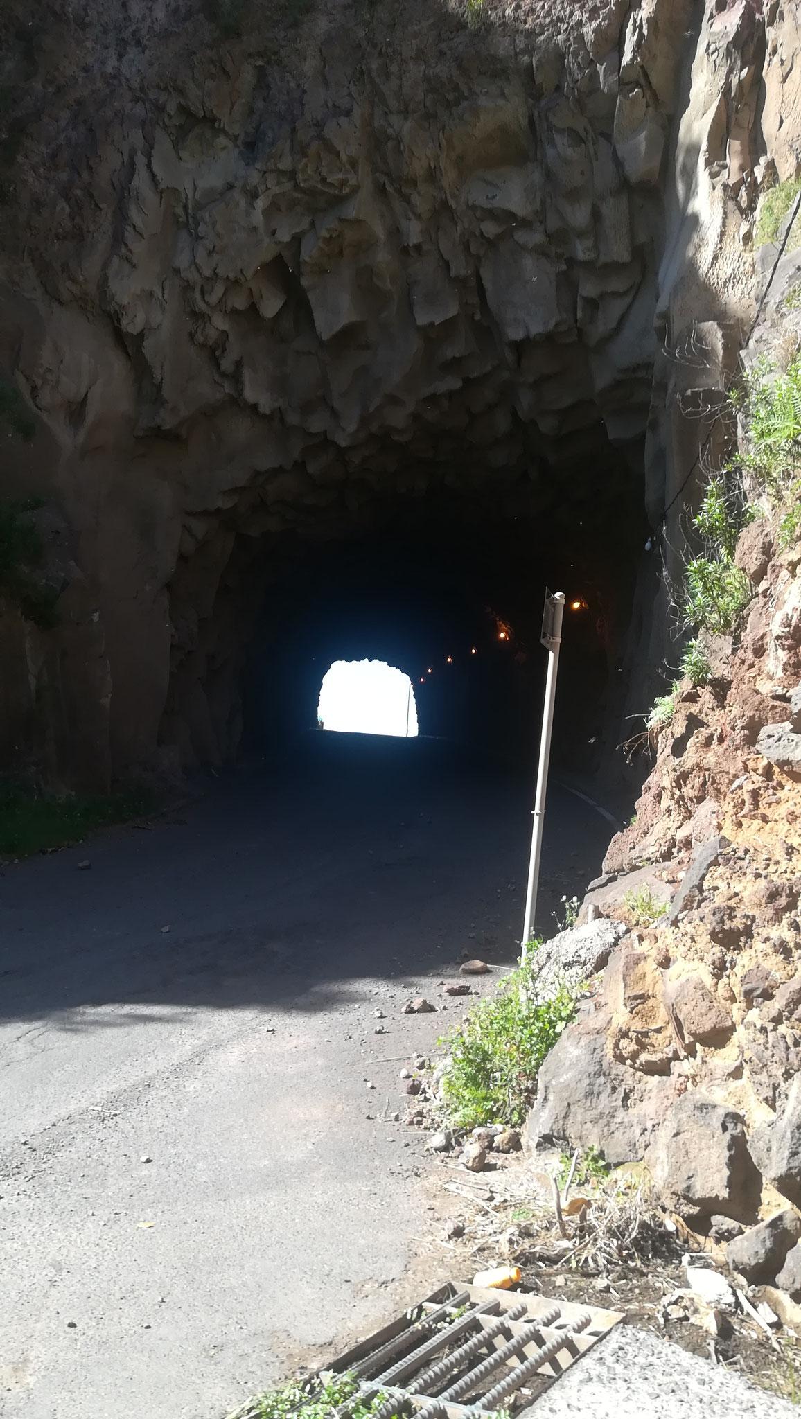 Tunnel alte Küstenstraße