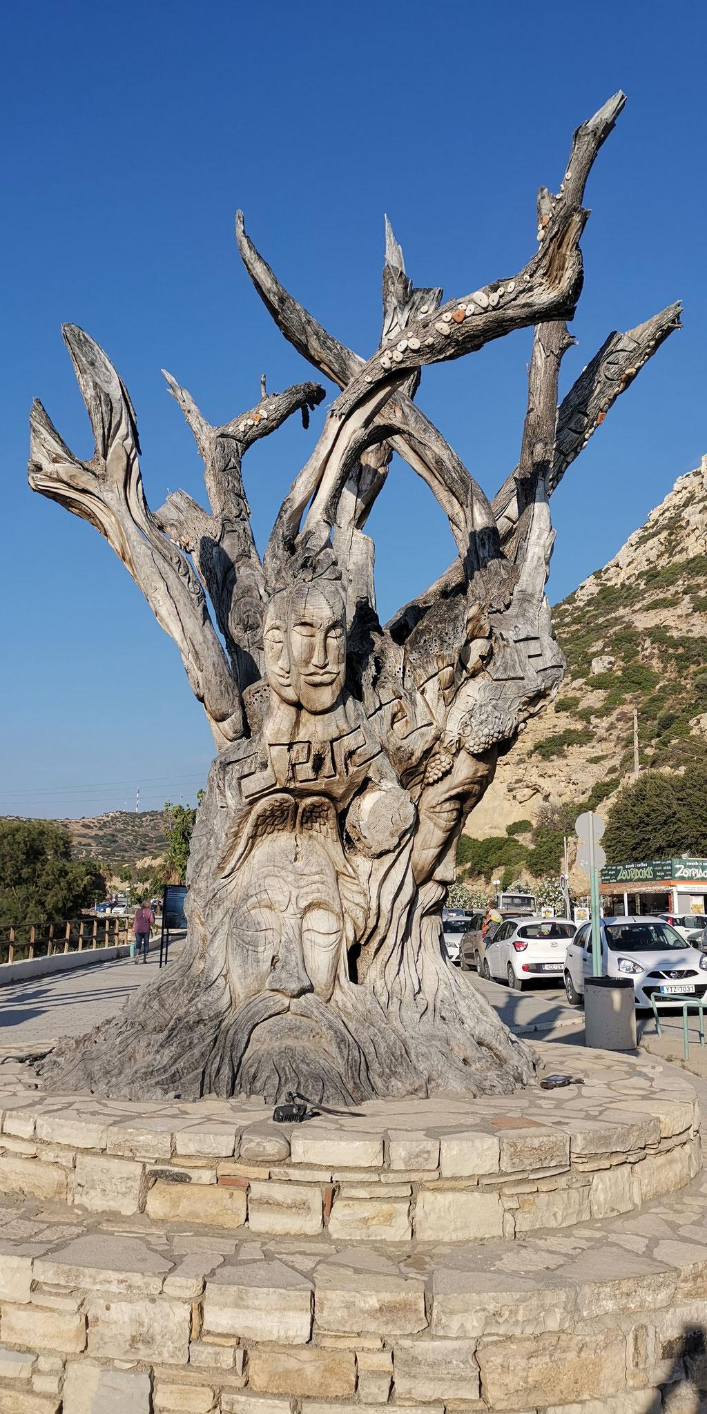 Gesichtsbaum in Matala