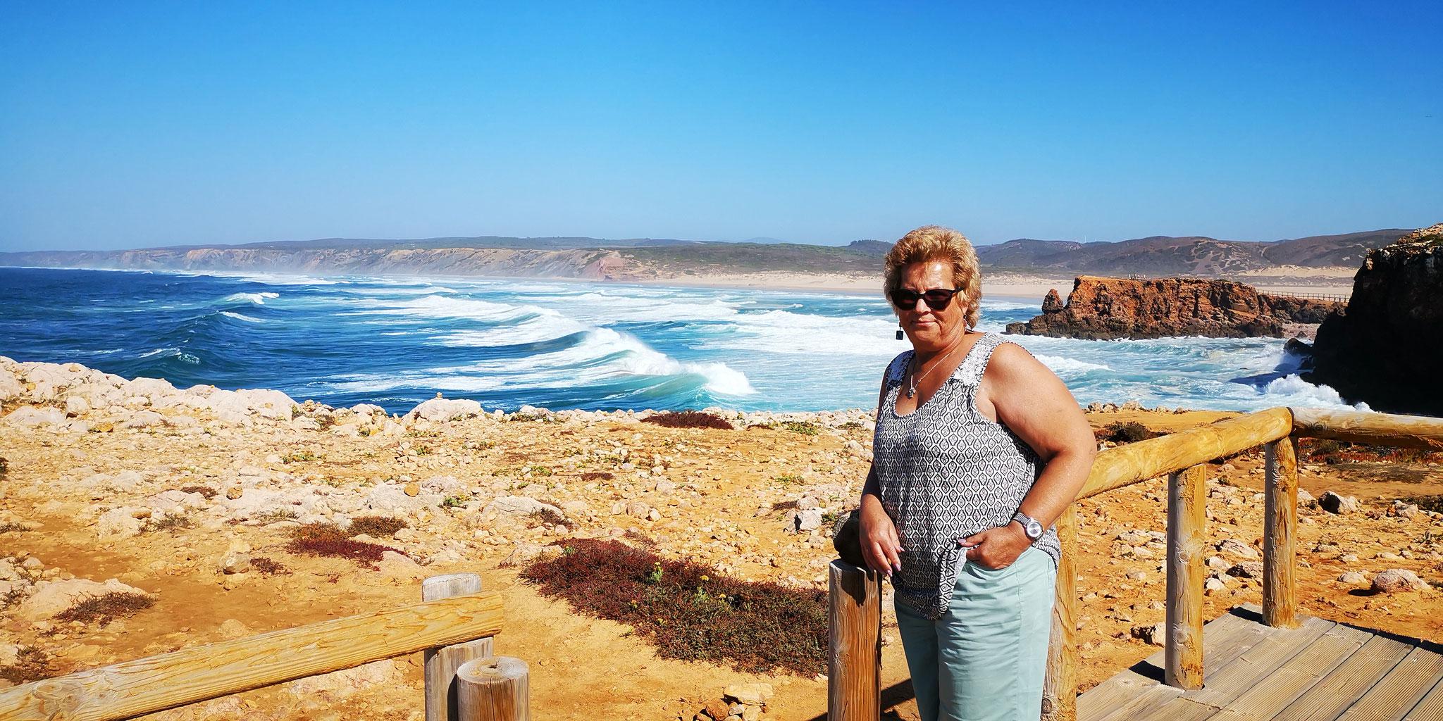 Mama an der Praia do Bordeira