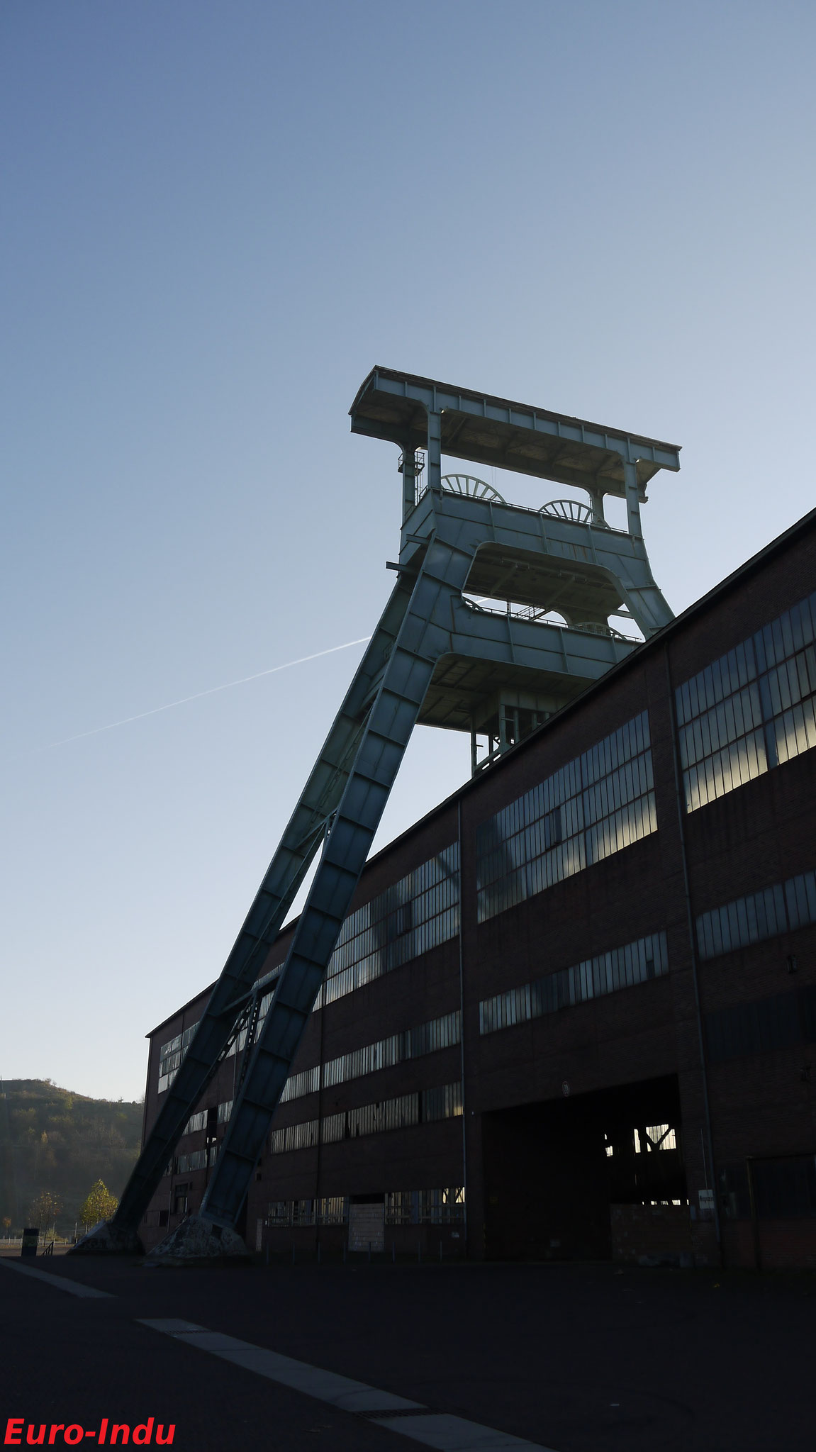 Schachthalle,Magazin, Doppelbockgerüst(50m hoch) über Schacht 7, 2010
