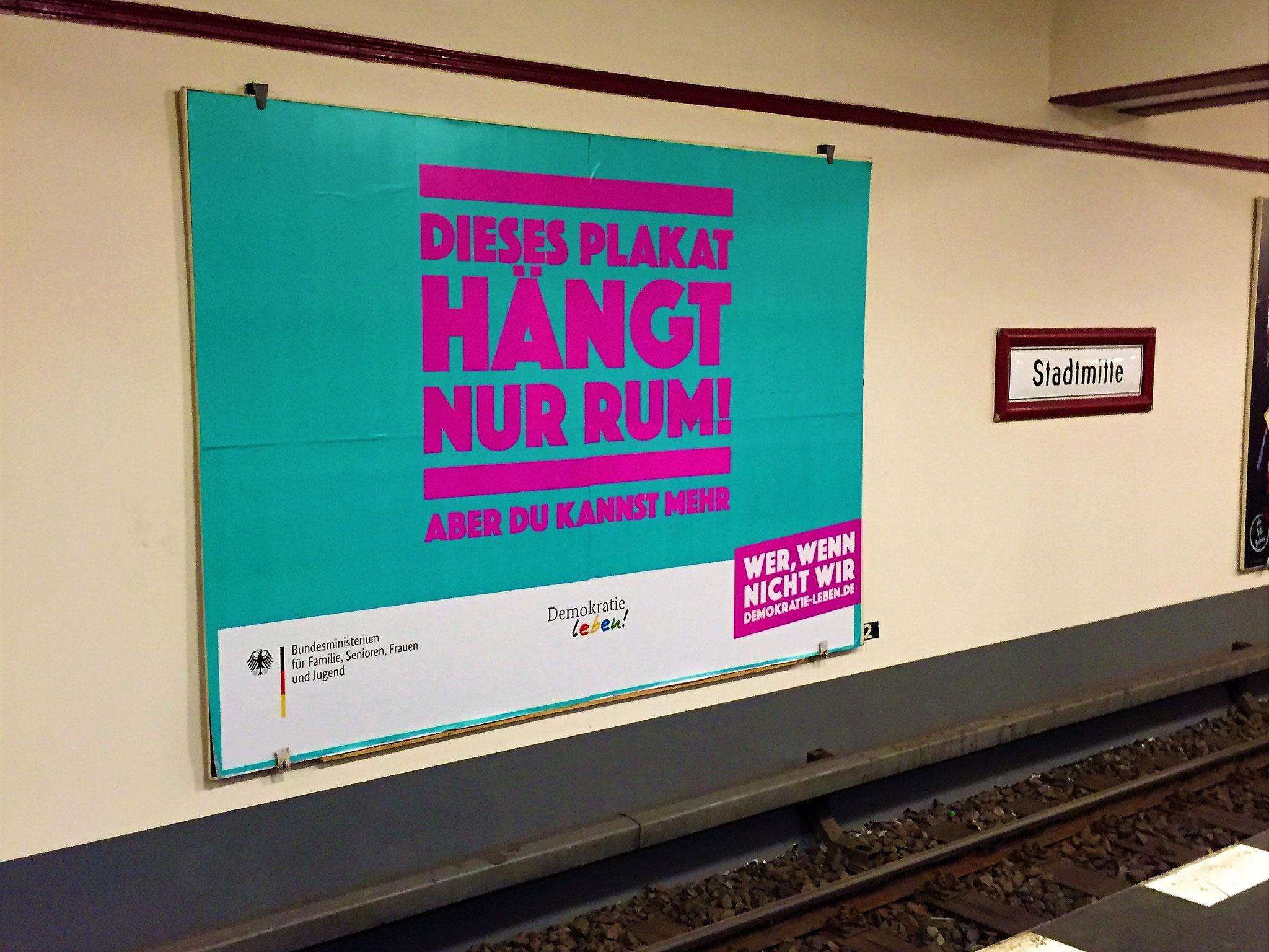 """""""Wer, wenn nicht wir?"""" Demokratie leben-Plakat"""
