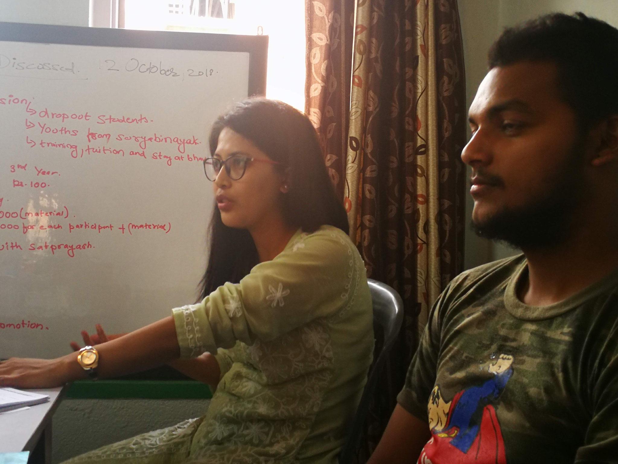 Shrada et Gajendra (comptable Bhavisya) plus motivés que jamais