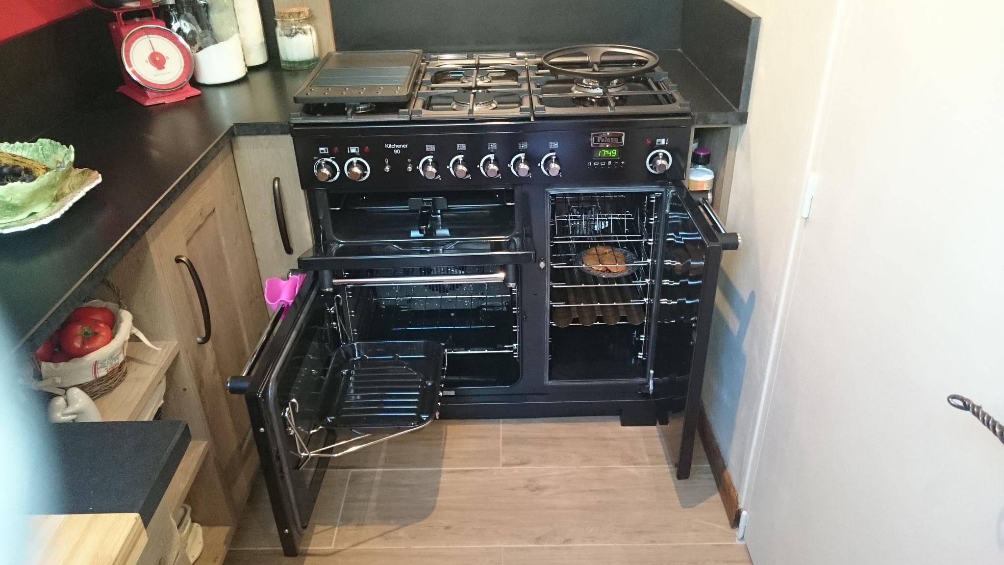 Piano de cuisson et ses accessoires