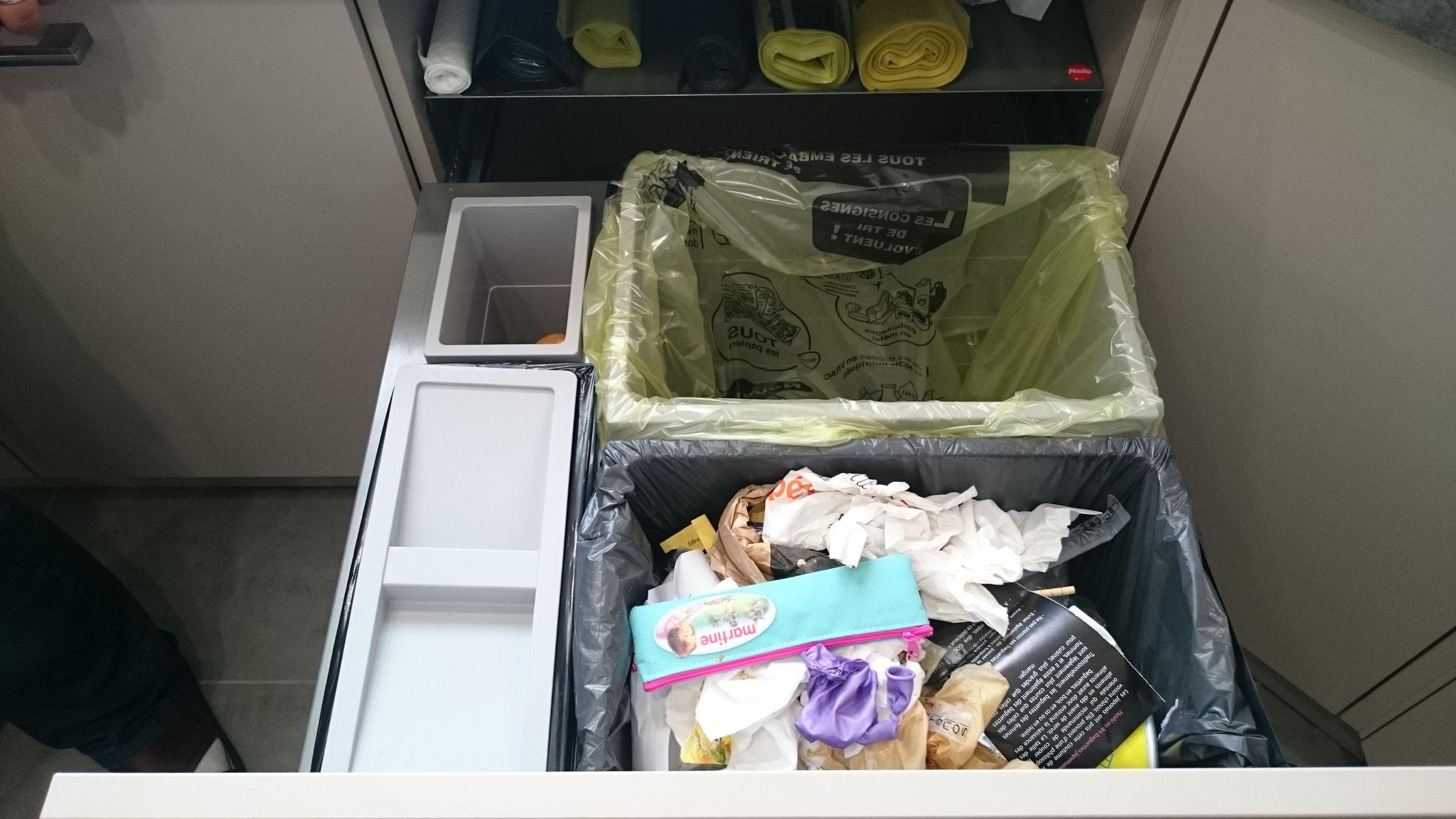 Meuble avec tri des déchets