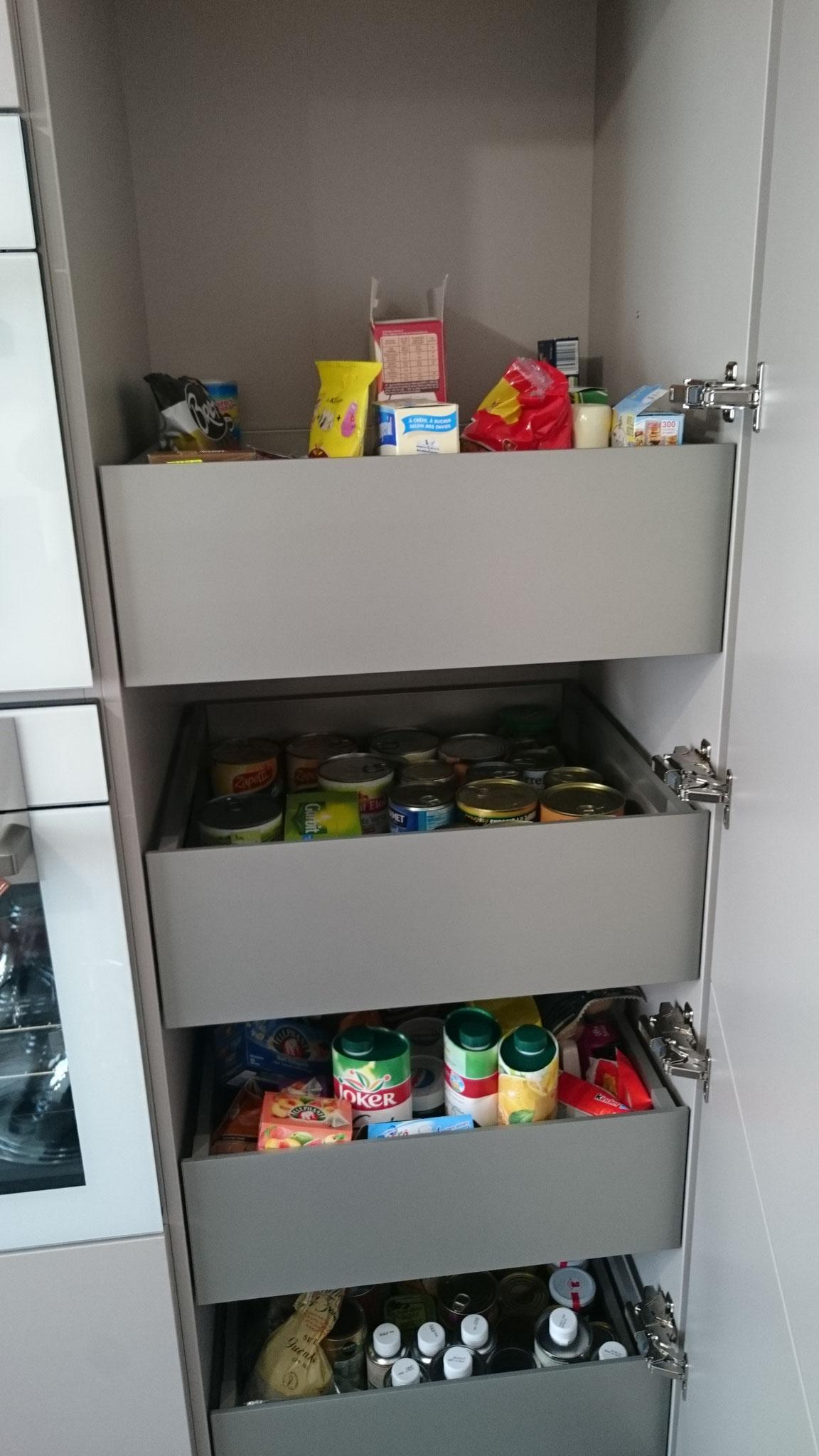 Armoire à provisions