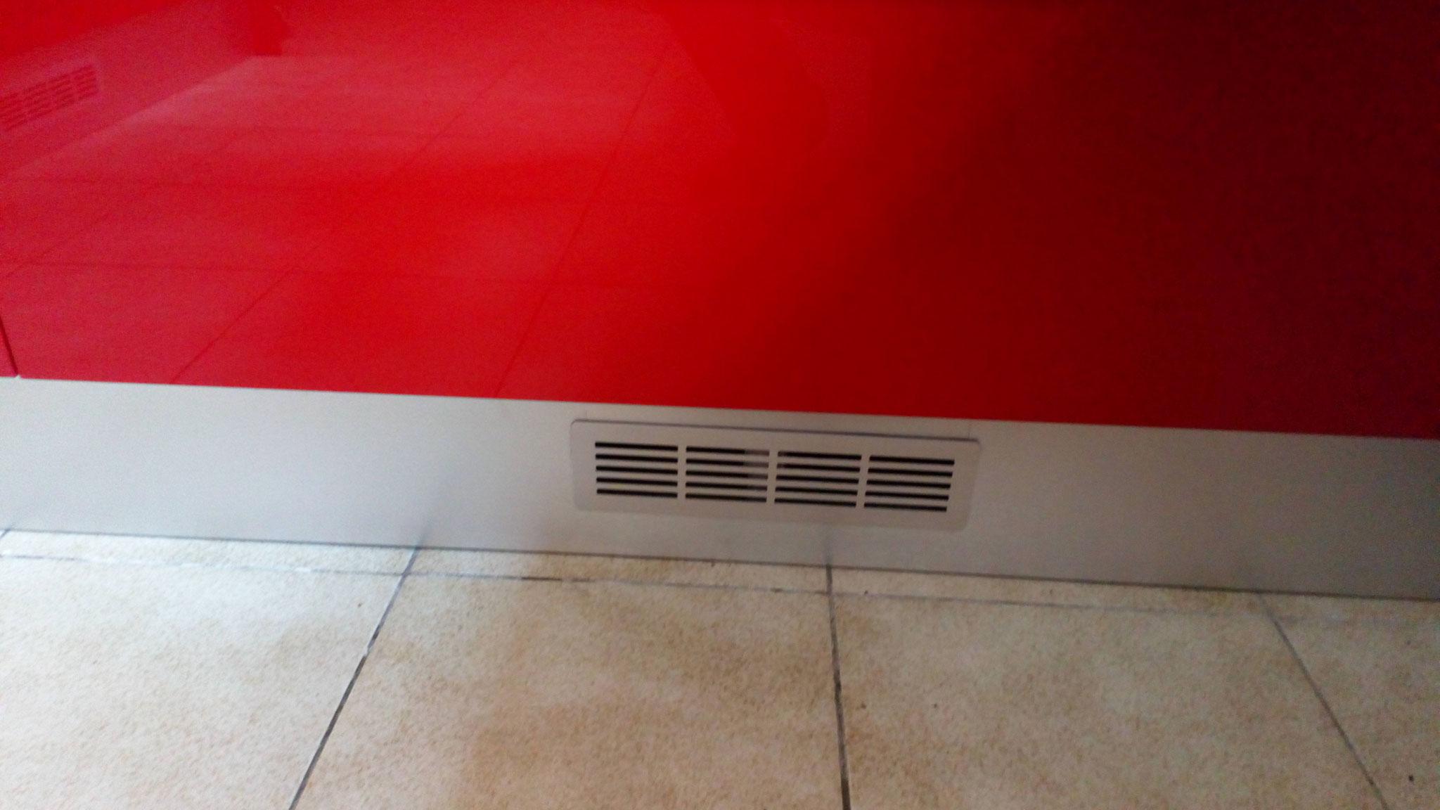 Grille de ventilation pour appareils électroménagers
