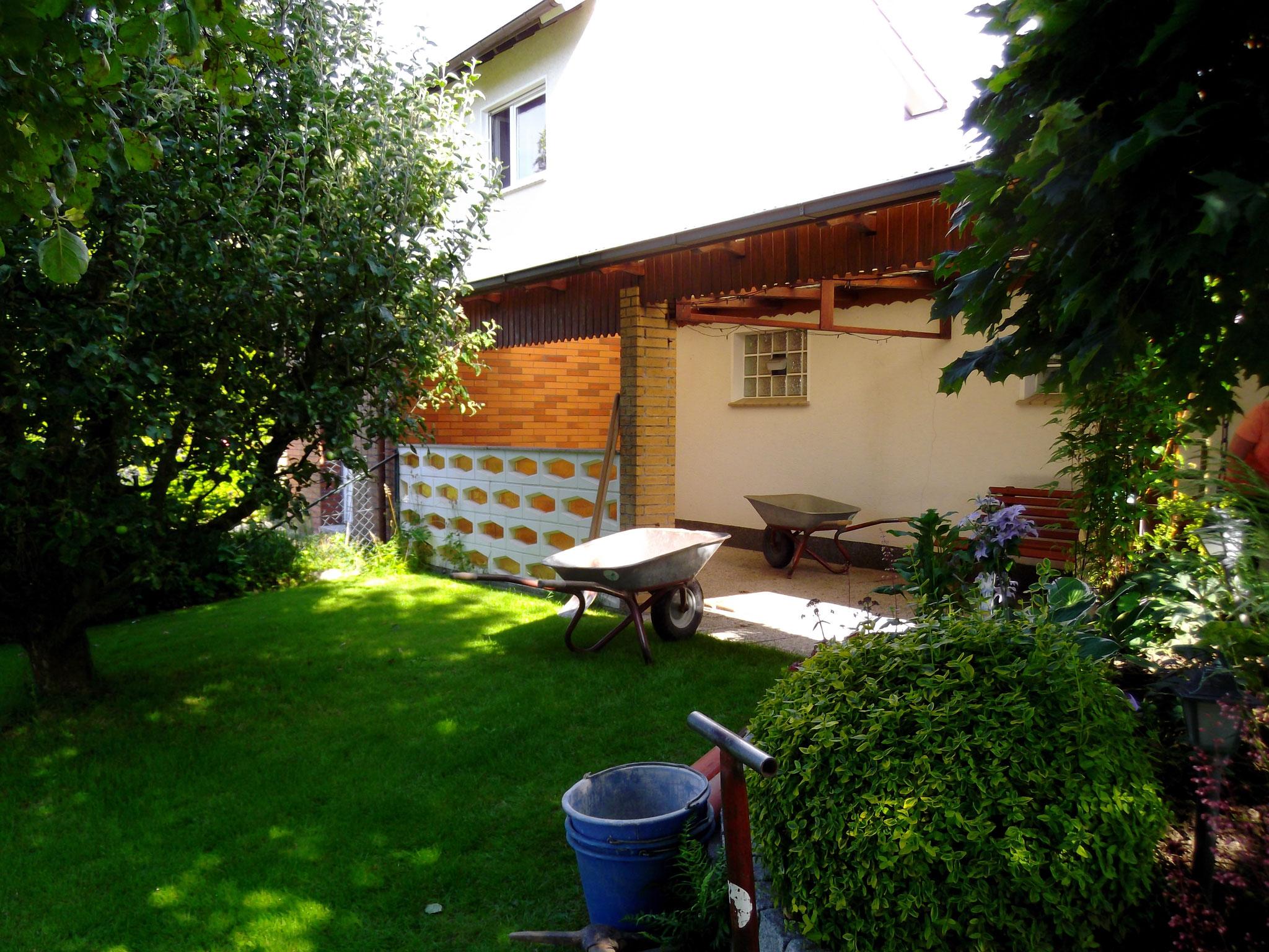 Korfmacher Gartendesign: Terrassengestaltung VORHER