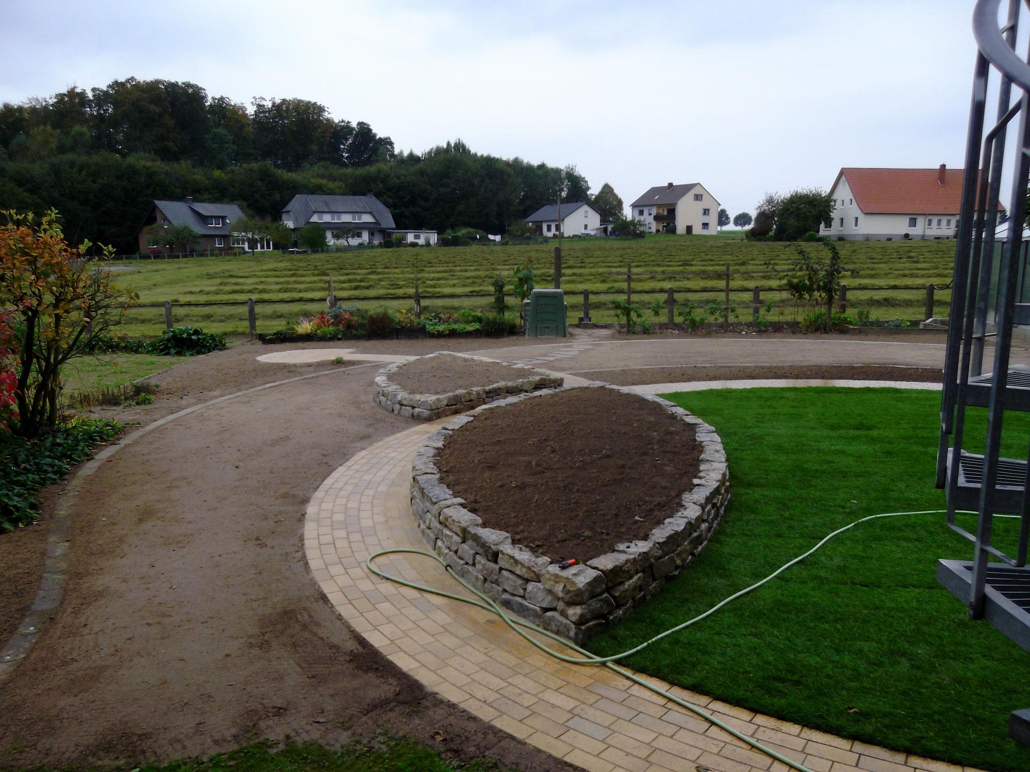 Hochbeet im Design von Korfmacher Gartengestaltung