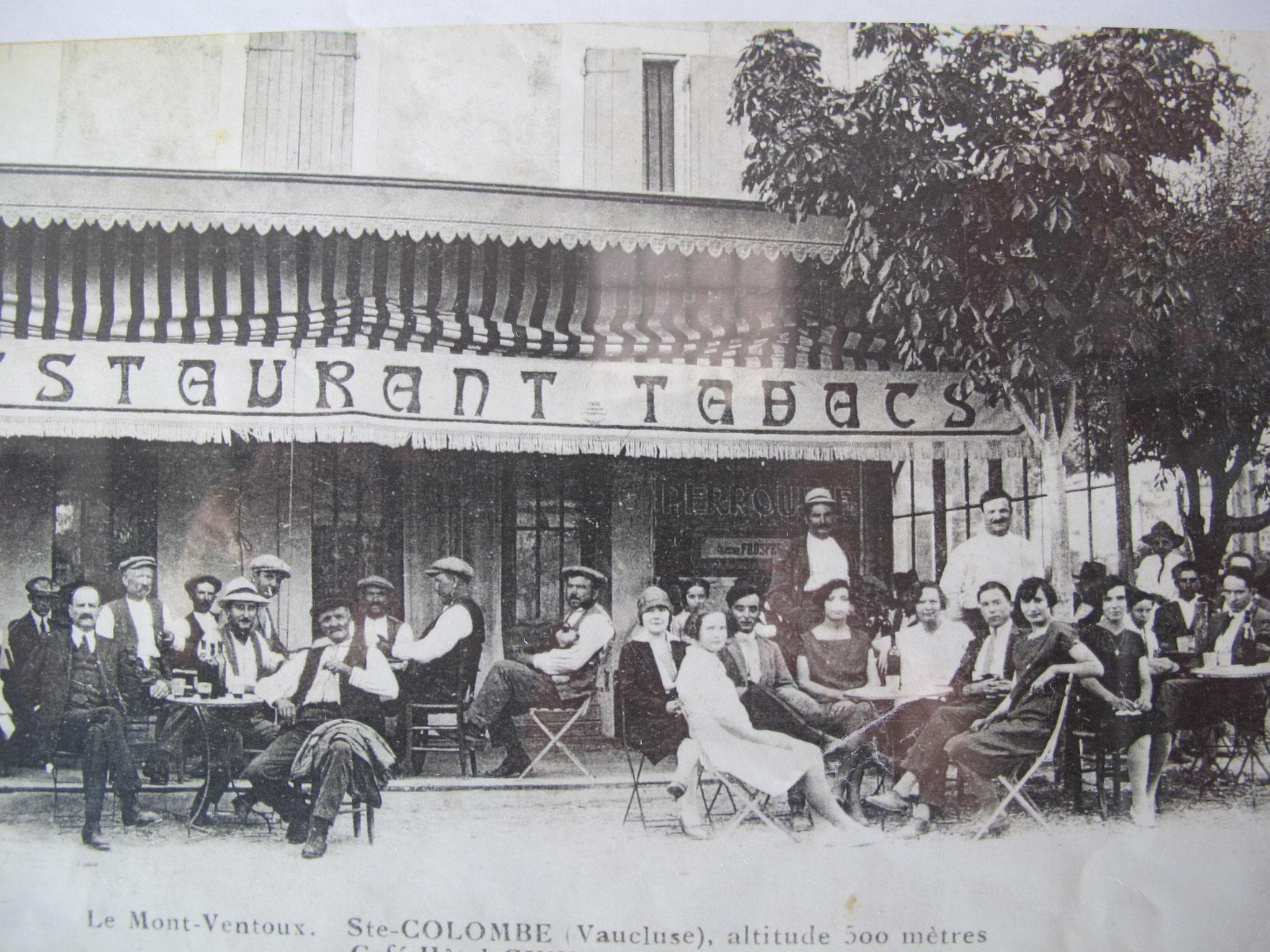 Hôtel pension restaurant le Guintrand au pied du mont Ventoux Bedoin chambre un dimanche