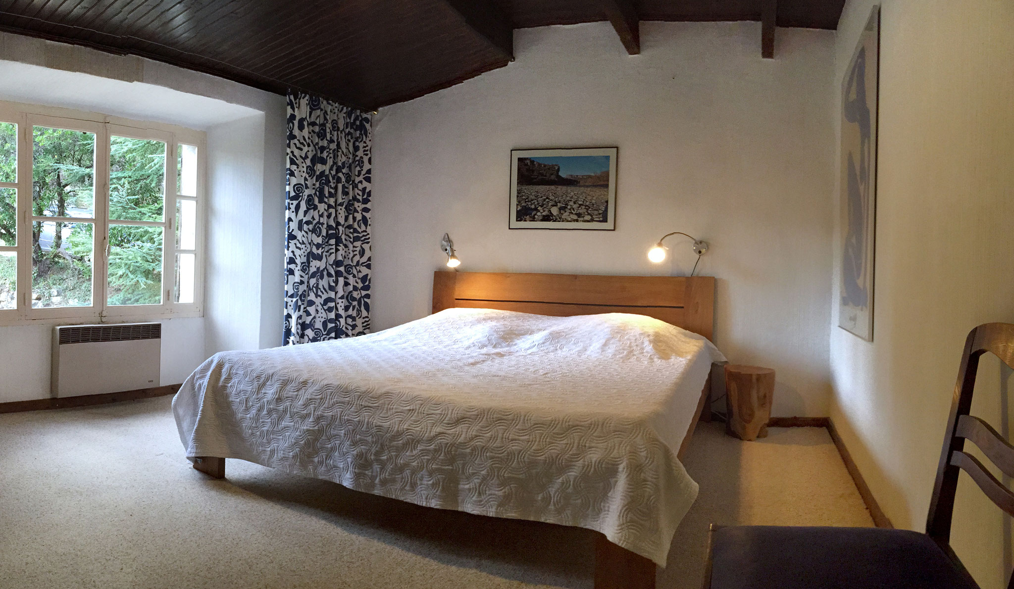 Schlafzimmer mit Doppelbett 180 cm