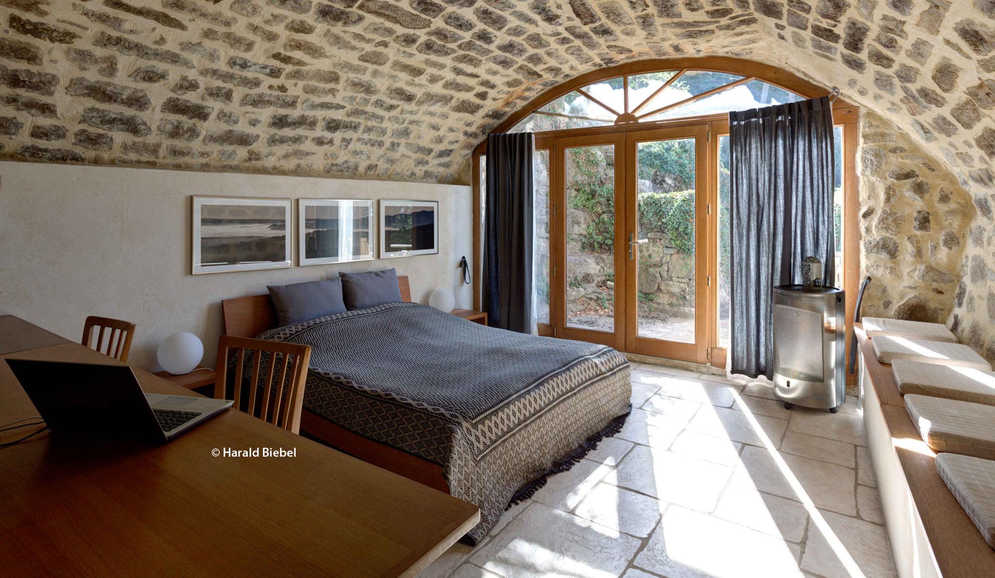 Schlafzimmer mit Doppelbett 160 cm