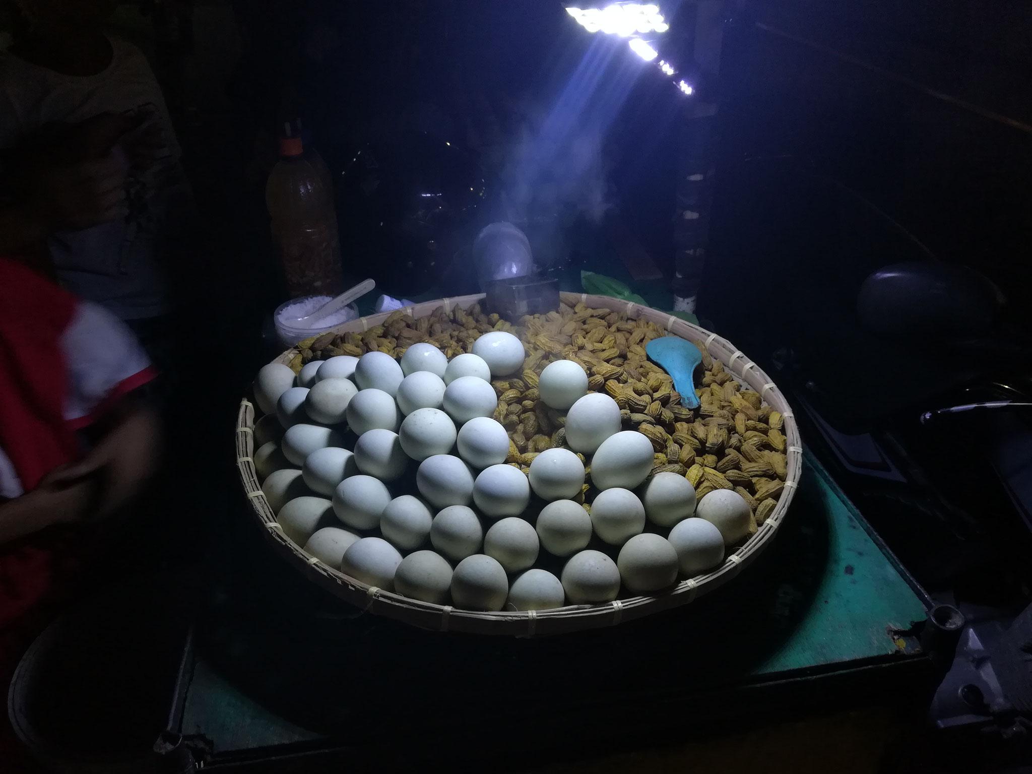Balut - das halb ausgebrütete Ei (eine Spezialität auf Negros)