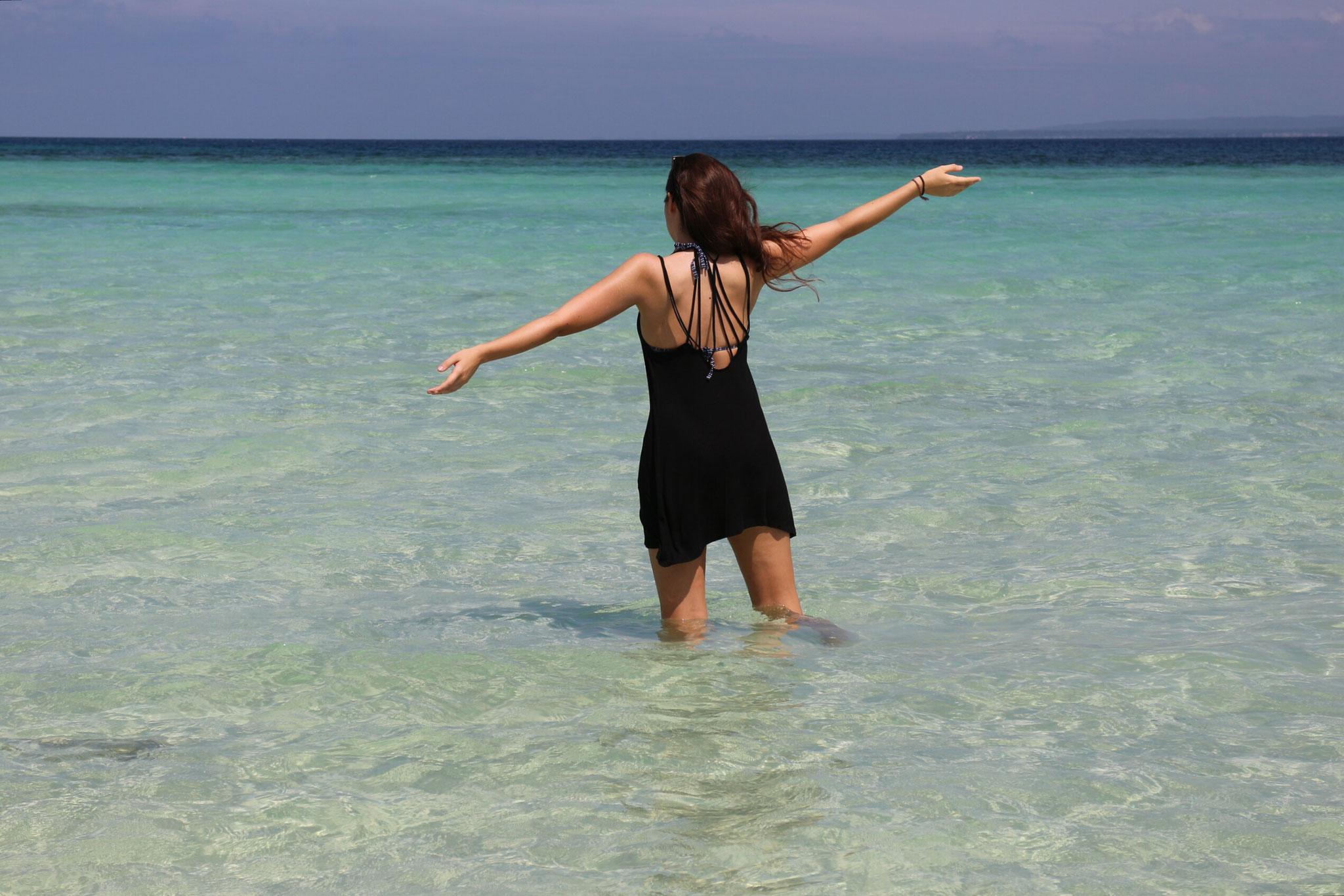 Das kristallklare Wasser von Bantayan Island