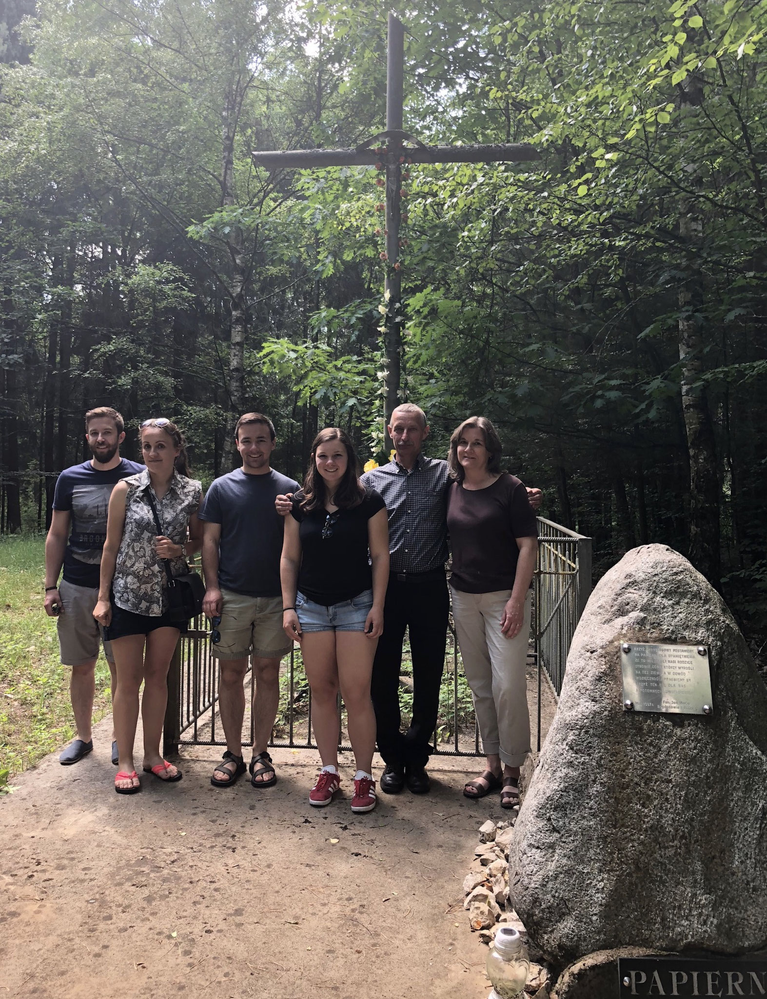BACK to 2018:stone monument to Papierna, where Walter & Julia lived and where Paul Bogden was born; Kamil Bogdan (Zygmunt's son), Paulina (Krawczyk) Filipowicz,Trevan, Sara, Zygmunt Bogdan,Cyndi