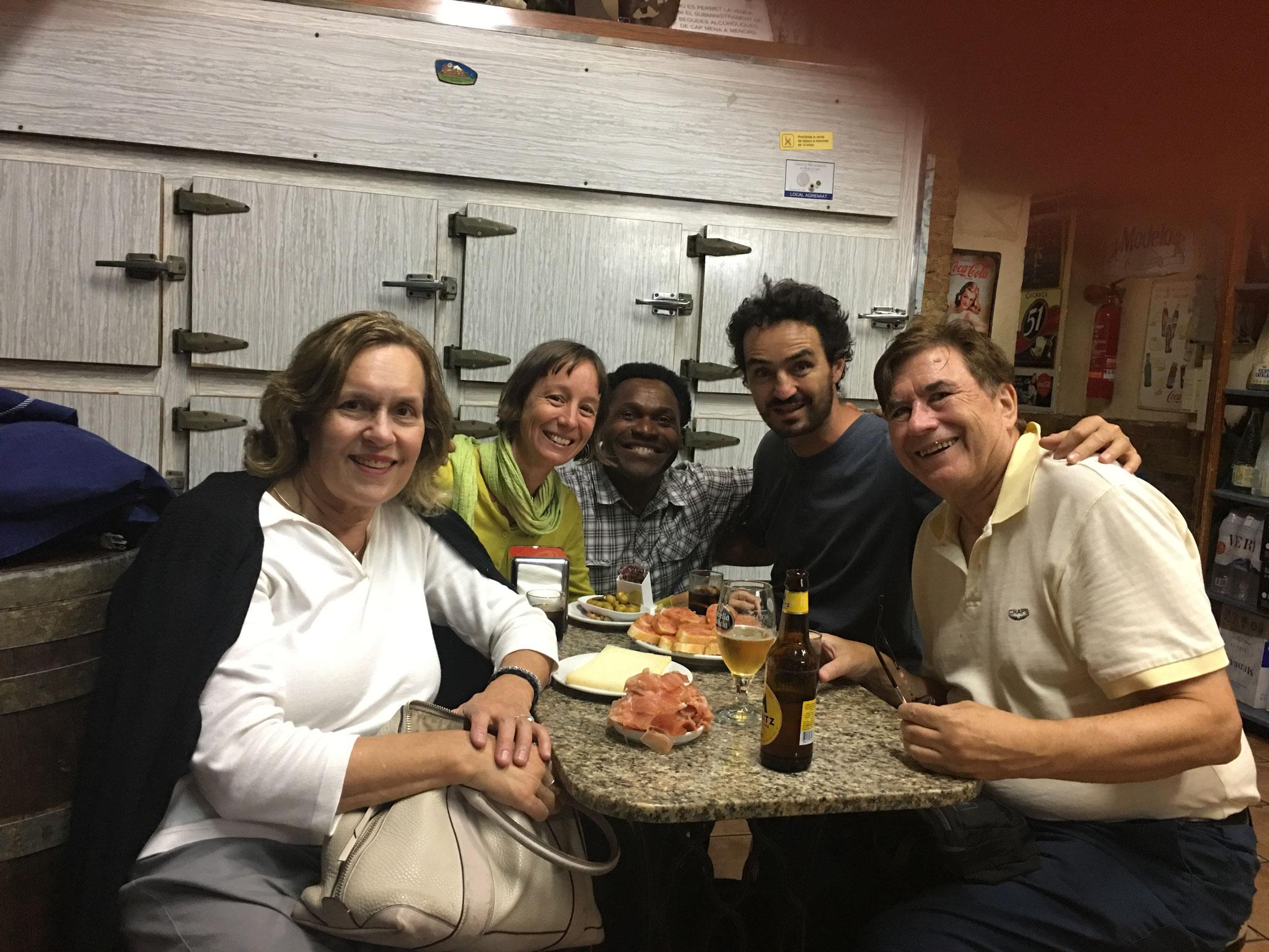 Lorraine, Ana, bar owner, Juanma, & John, old town, Barcelona