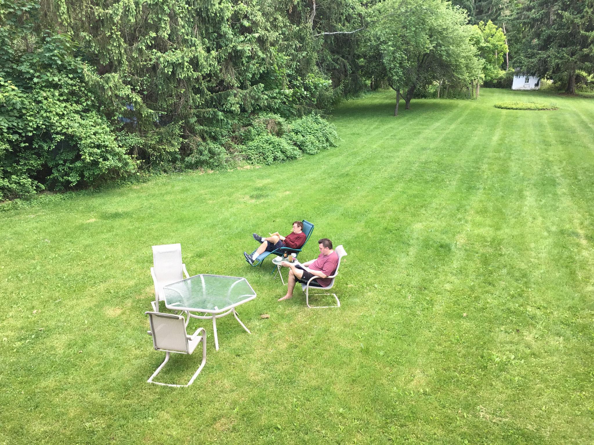 Greg & John enjoy the backyard at Lockwood Rd., 7-2020