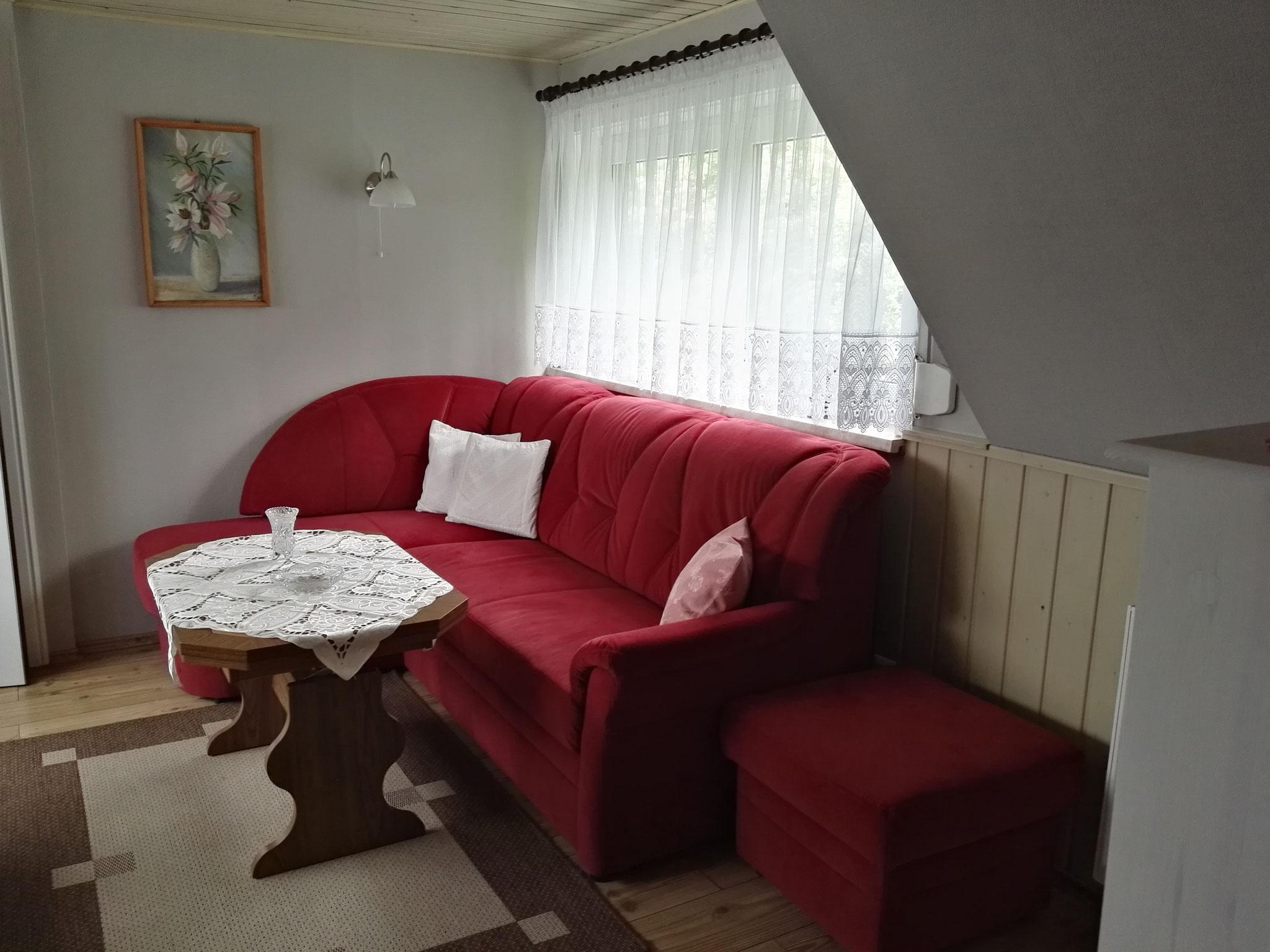 Neue Couch mit Schlaffunktion.