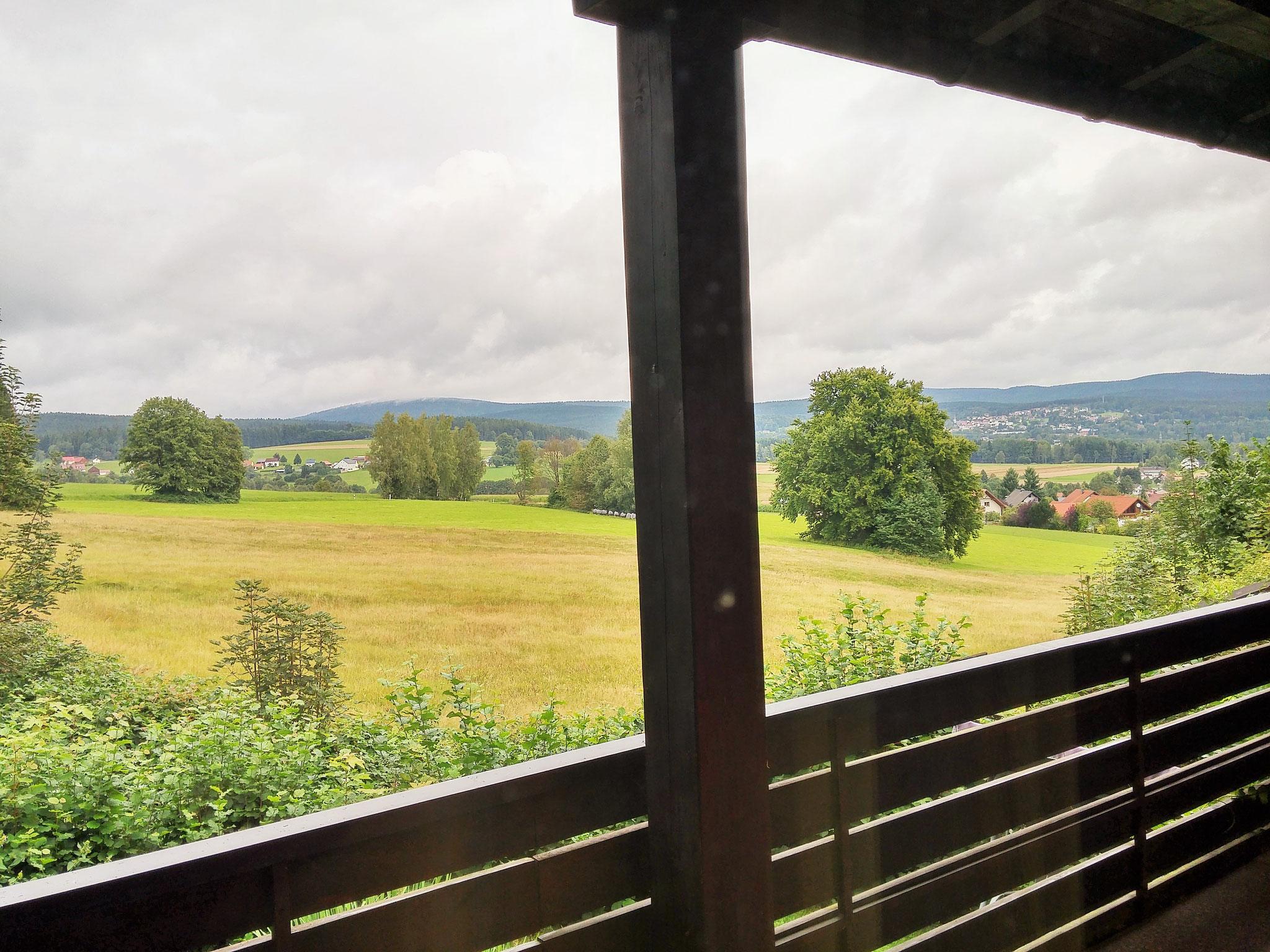 """Balkon mit Blick zum """"Ochsenkopf"""" und zum """"Schneeberg"""""""